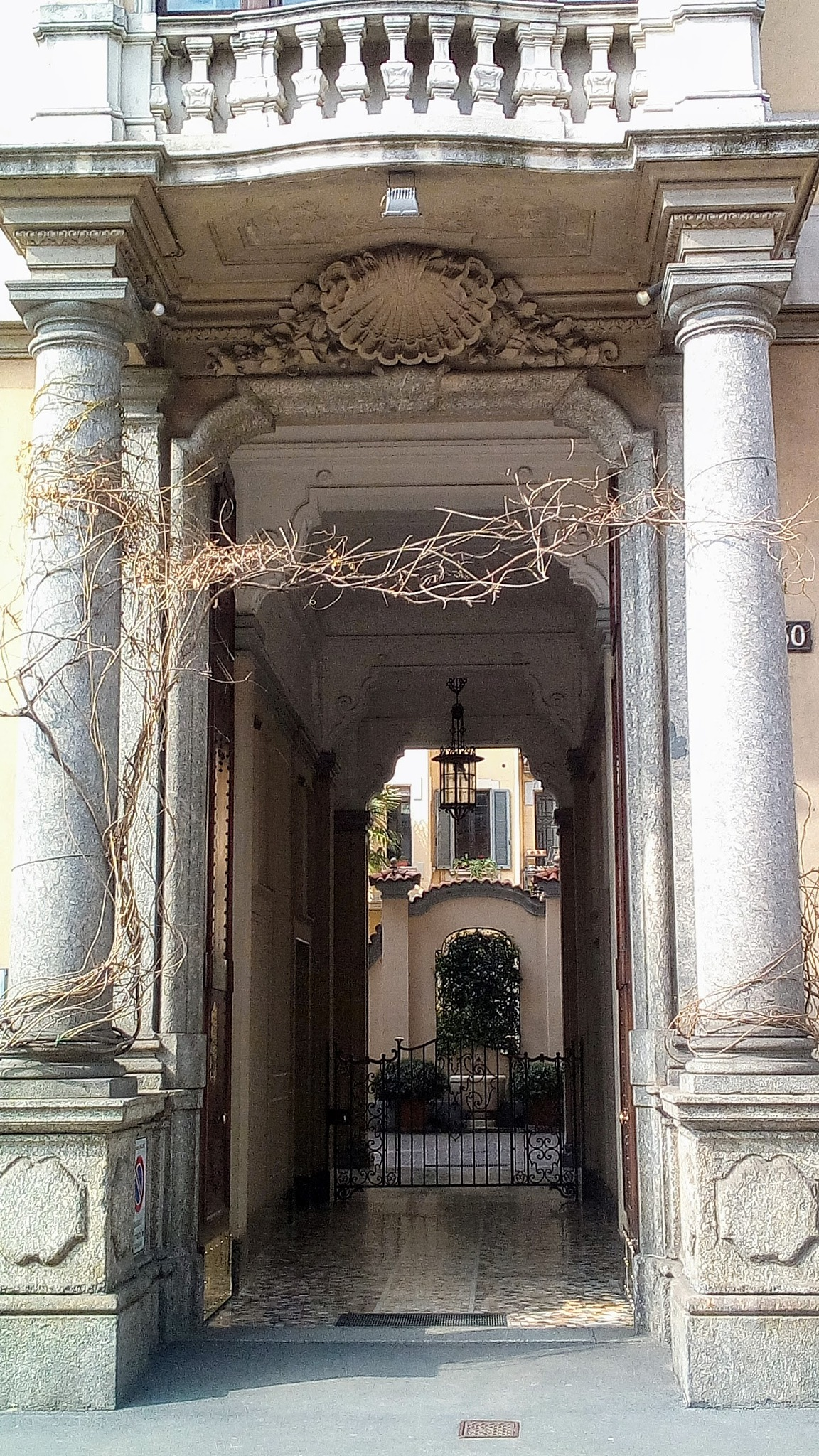 Old house in Milan by Paolo Pasquali