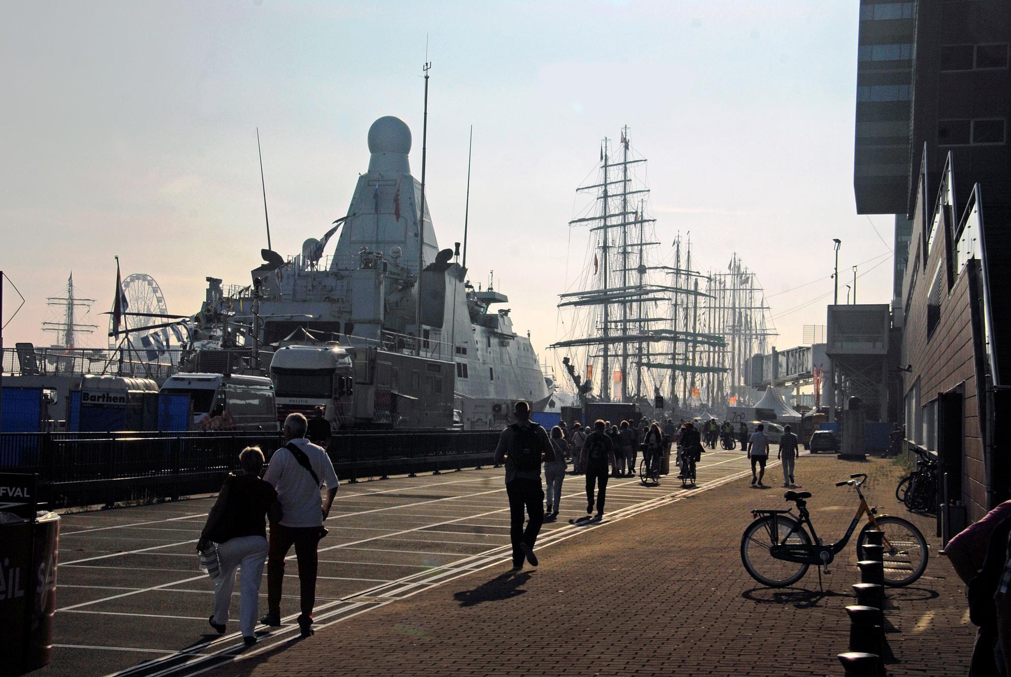 Amsterdam by edmund hirschfeld