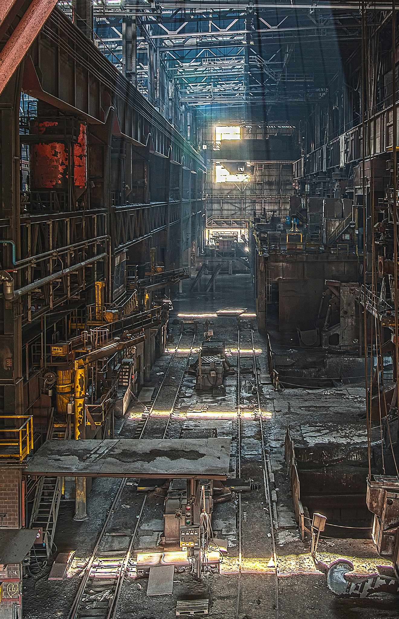 HM abandoned factory 3 by Vanessa Hugen