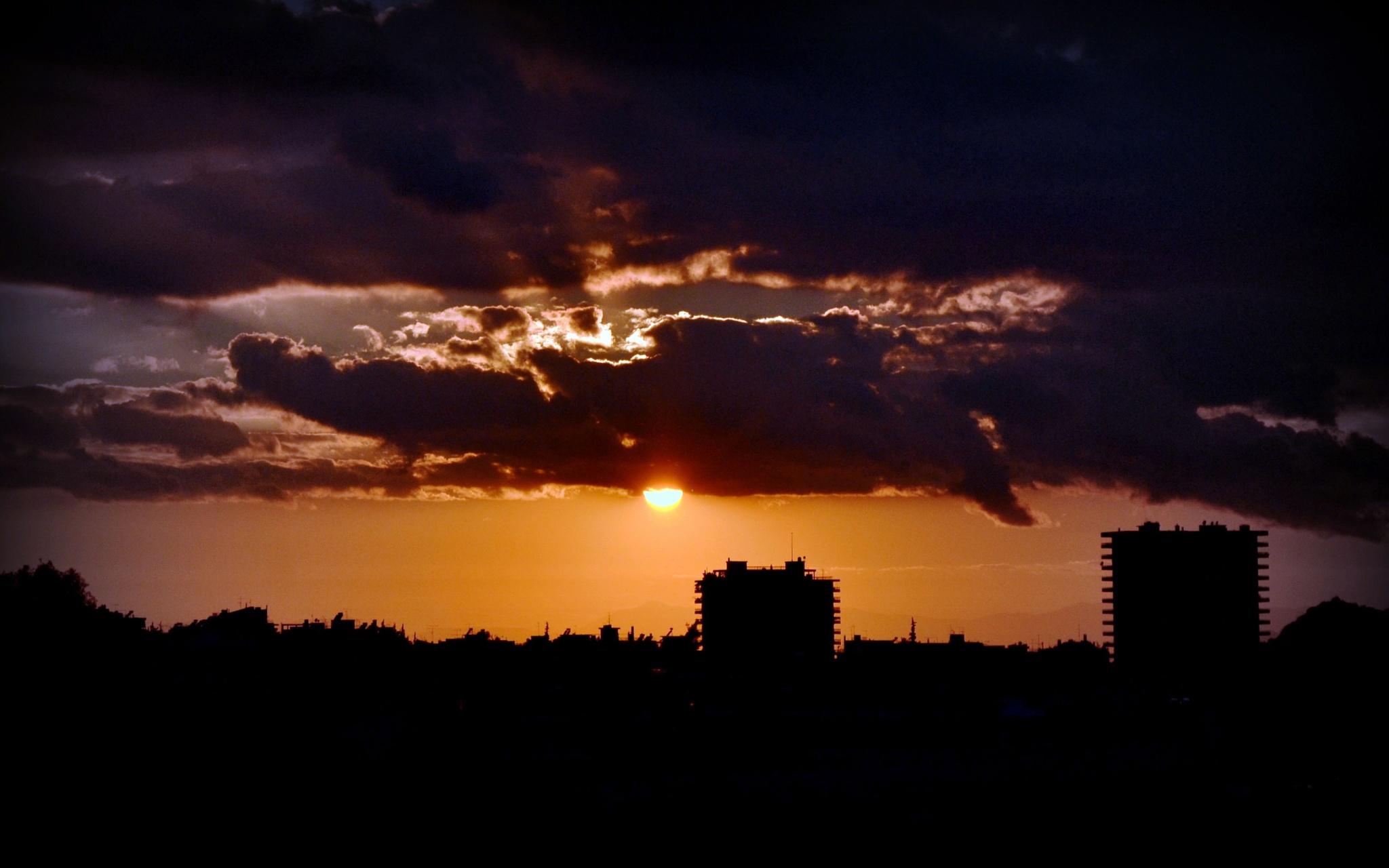 ..sun down.. by angeliki