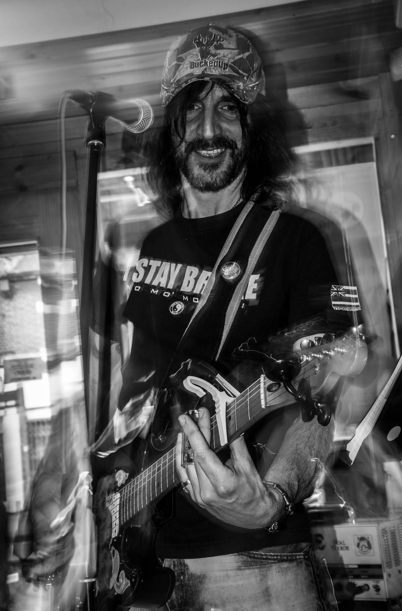 rockin.... by neil.hickman1