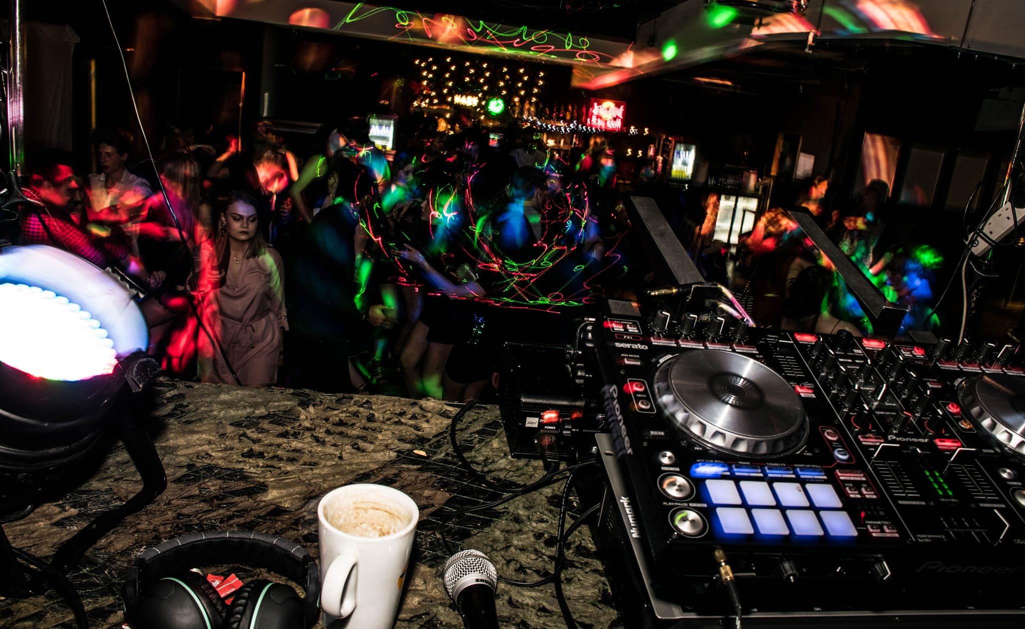 turn it up DJ..... by neil.hickman1
