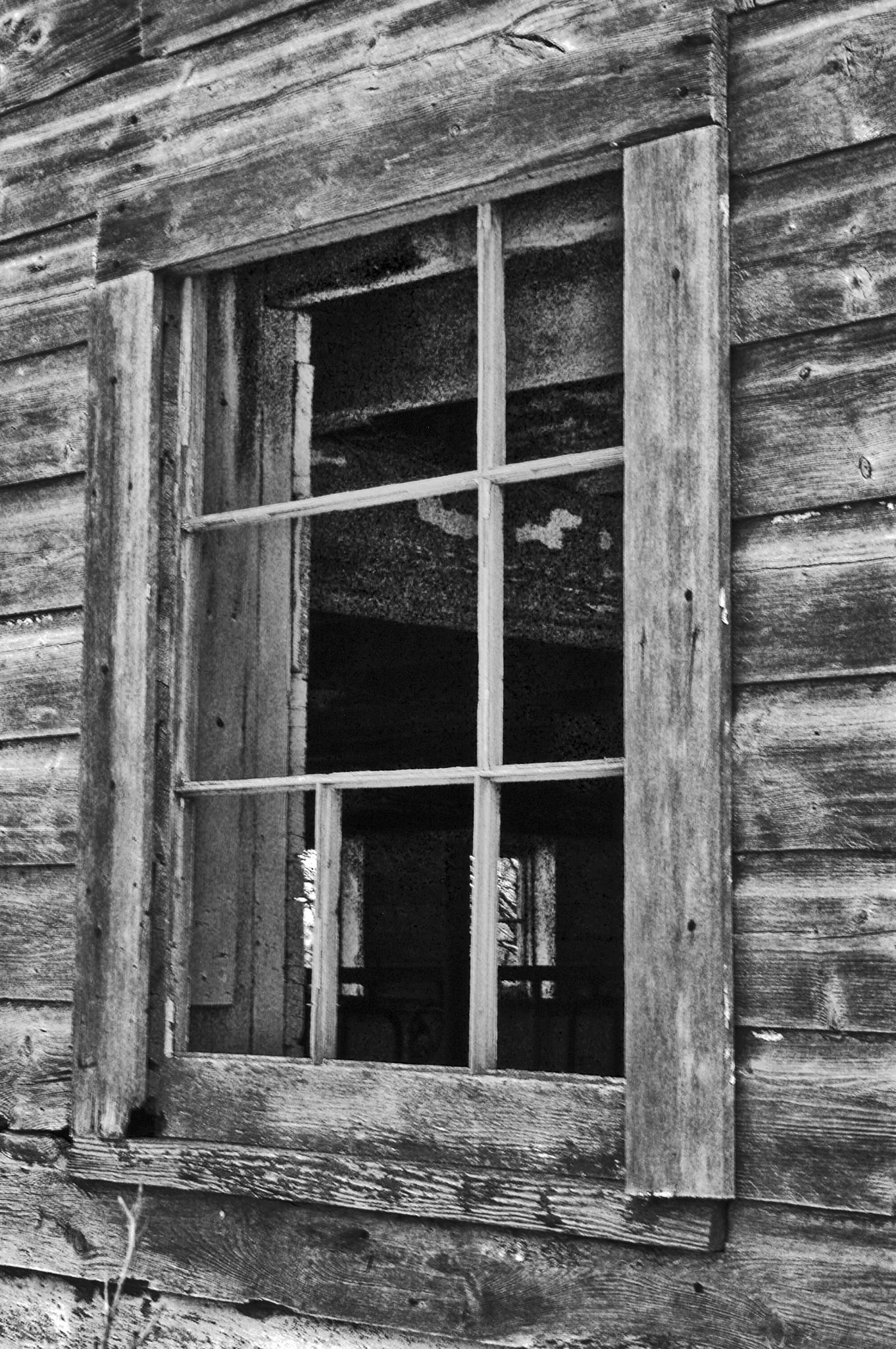 Old Barn Window by Ray Zirkle Photography