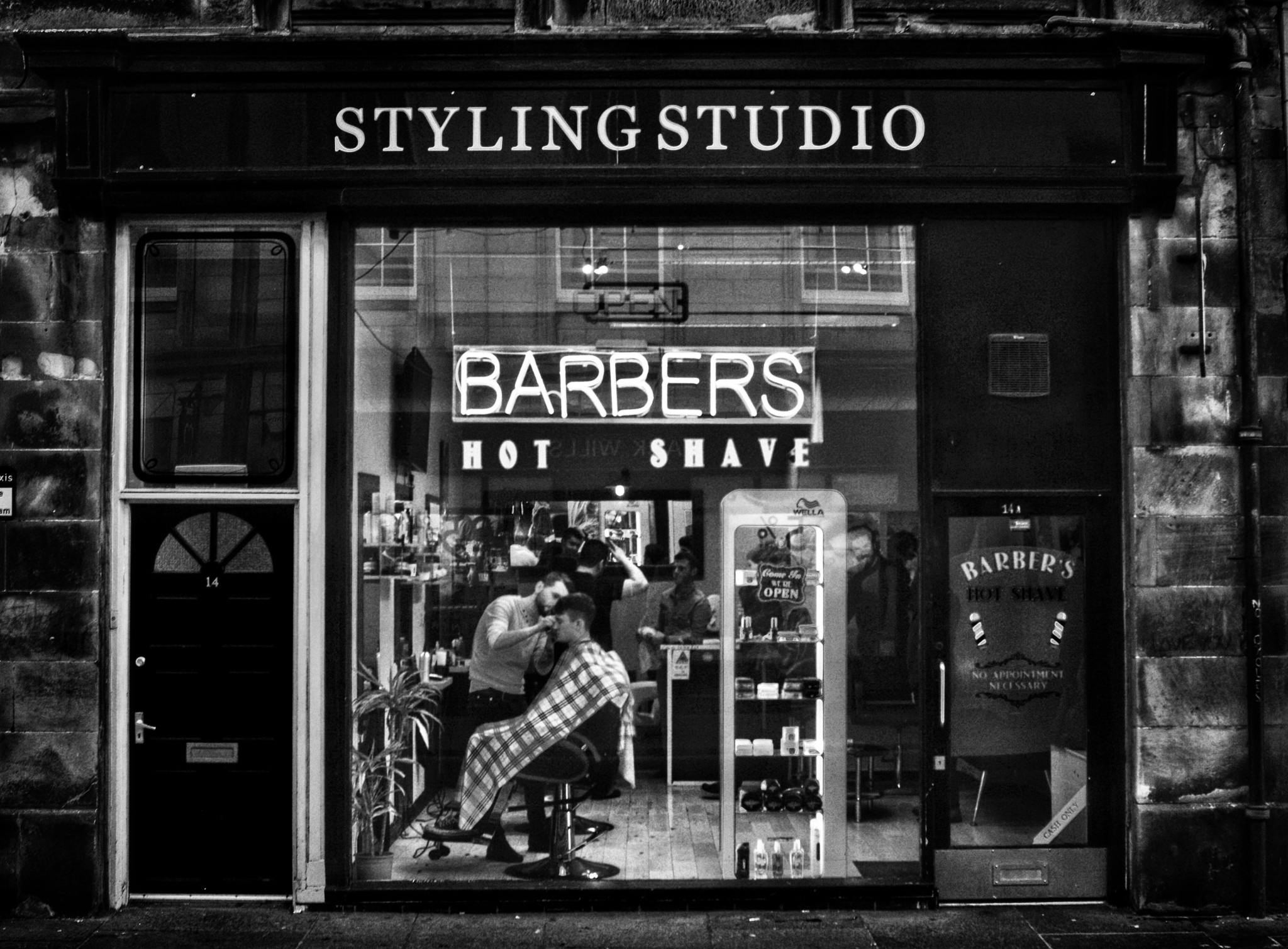 Street shooting: St Andrews  by The PhotoGrabber