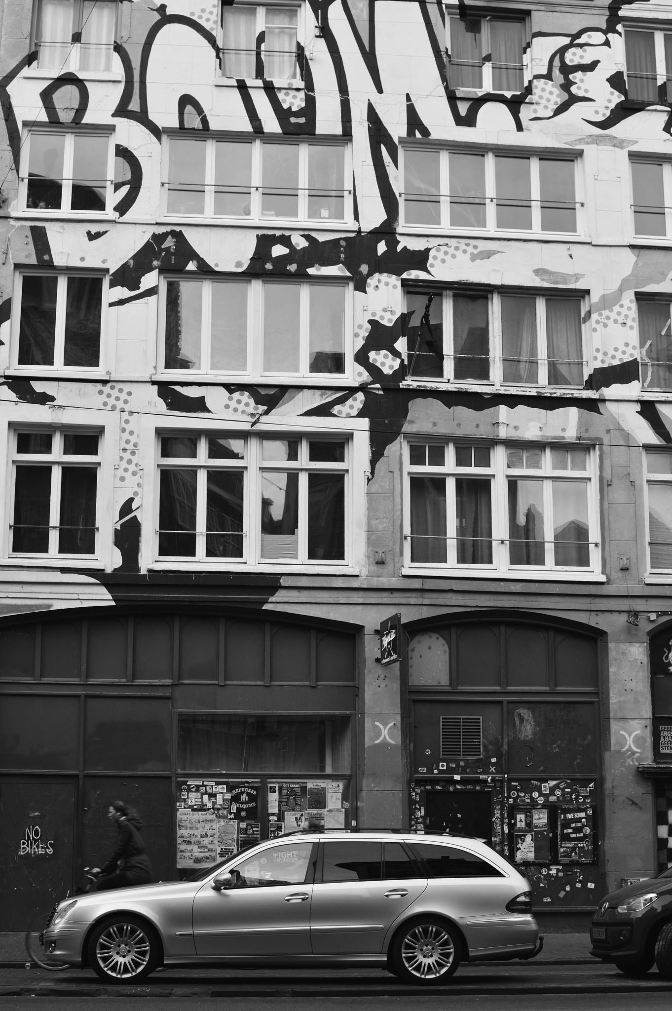 Street Shooting: Amsterdam by The PhotoGrabber