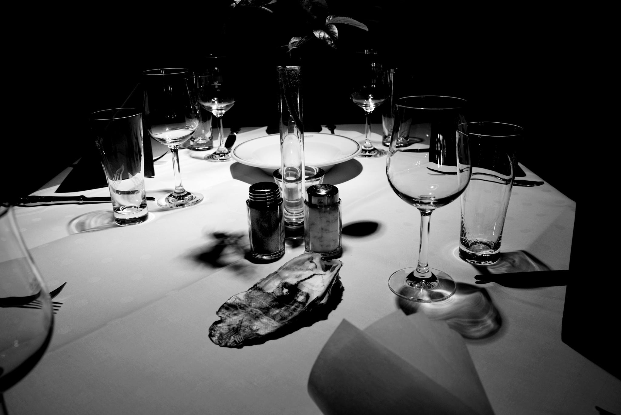 In the restaurant by RIwanowski