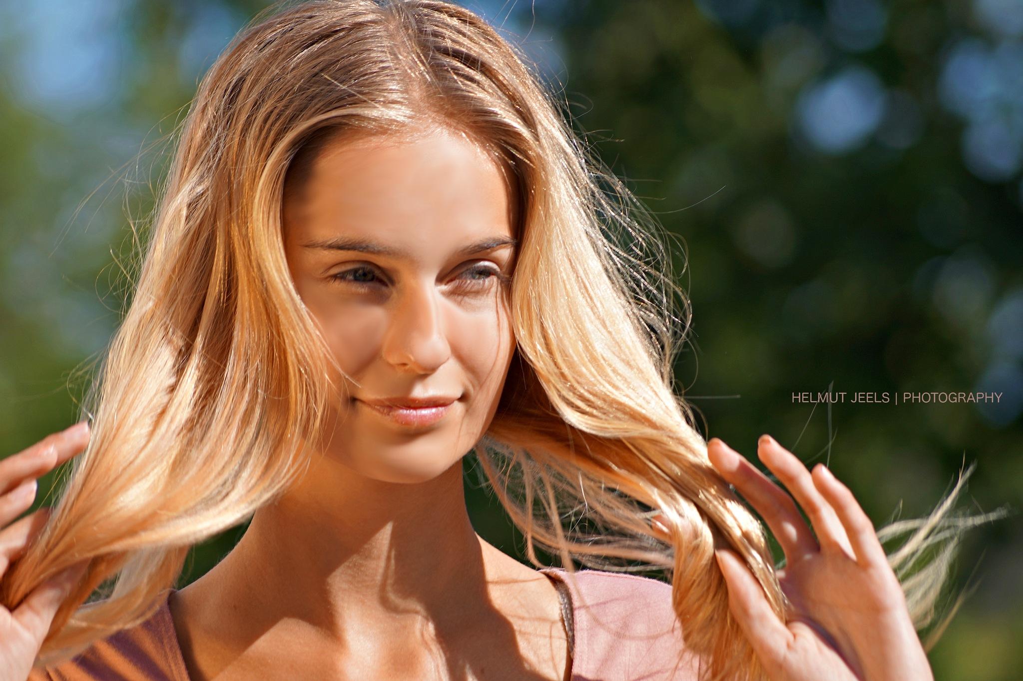 Photo in Portrait #face #fashion #streetfashion #magzzine #jeels #photo #photography #olivia #tegelberg #sweden #orust #summer #pink #beauty #beautiful #model #woman #girl #hair #eyes #portrait