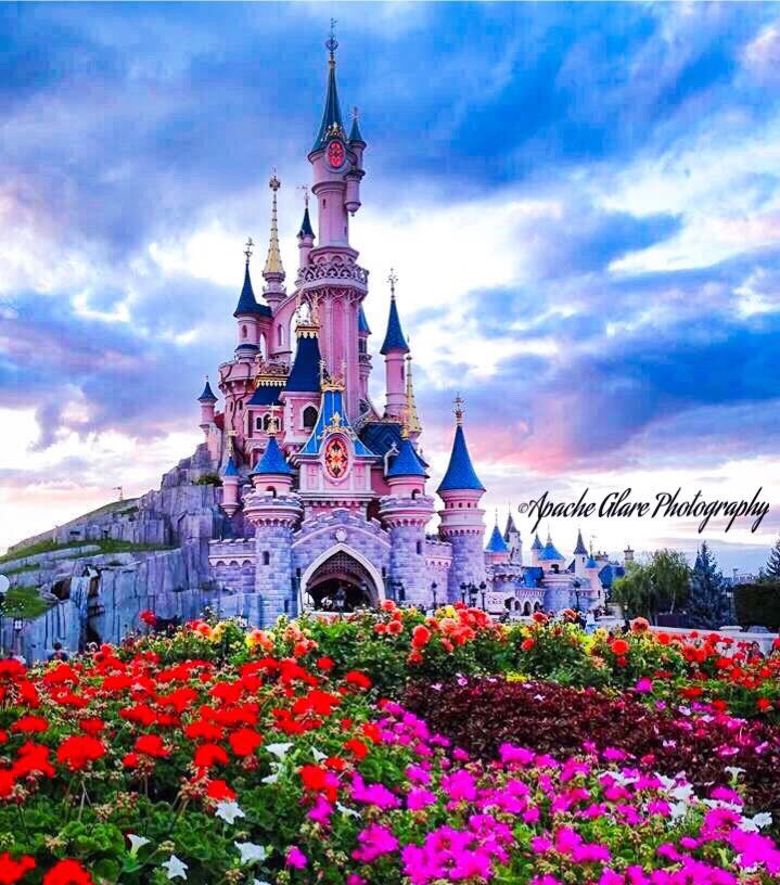 Disney Paris. ❤️ by Apache Glare Photography