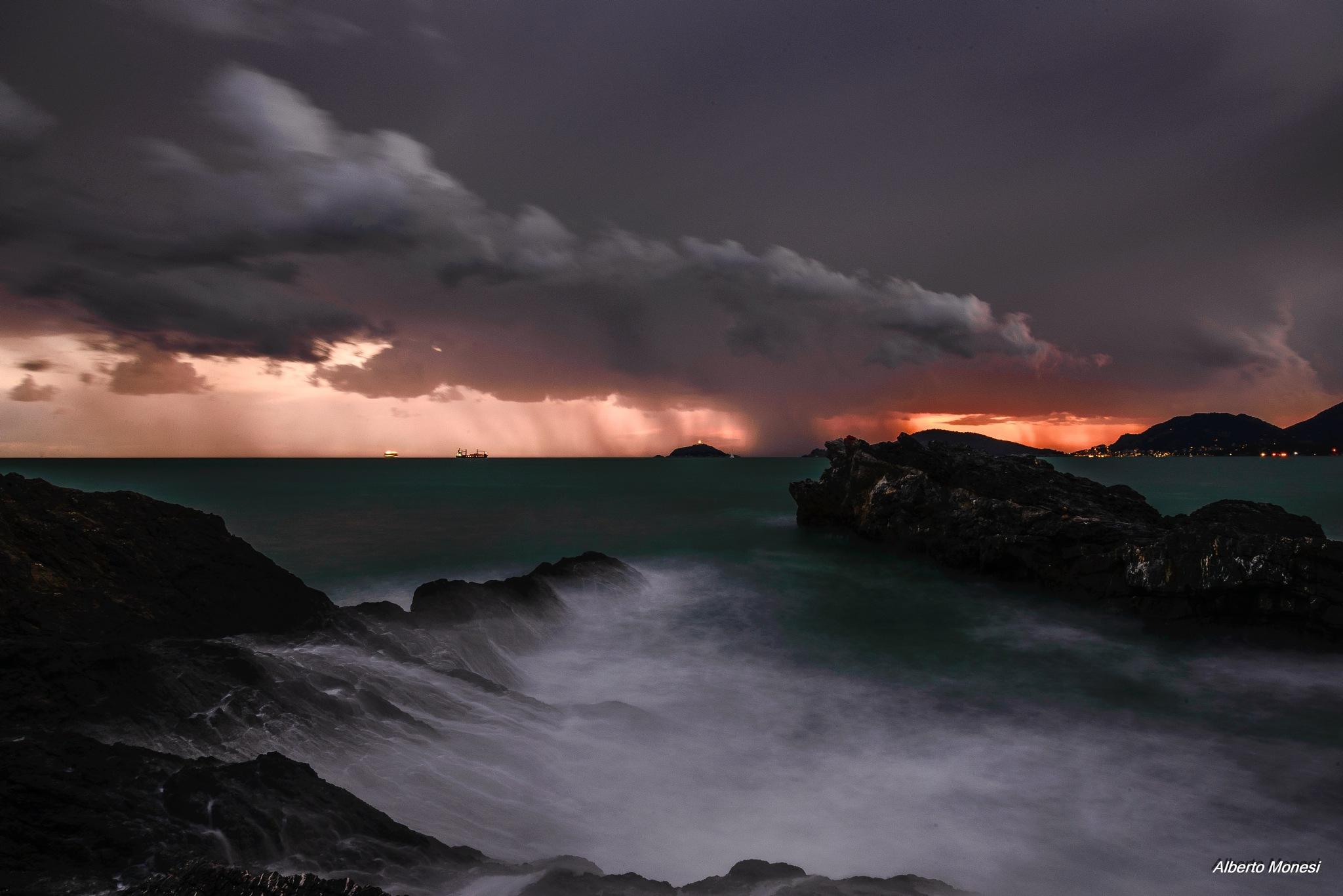 Si avvicina il temporale by Alberto Monesi