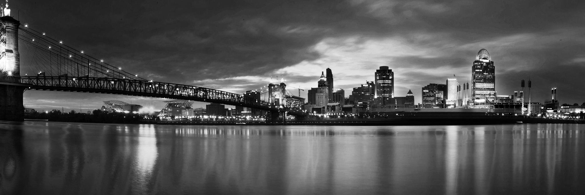 Cincinnati Skyline by AmanPhotos