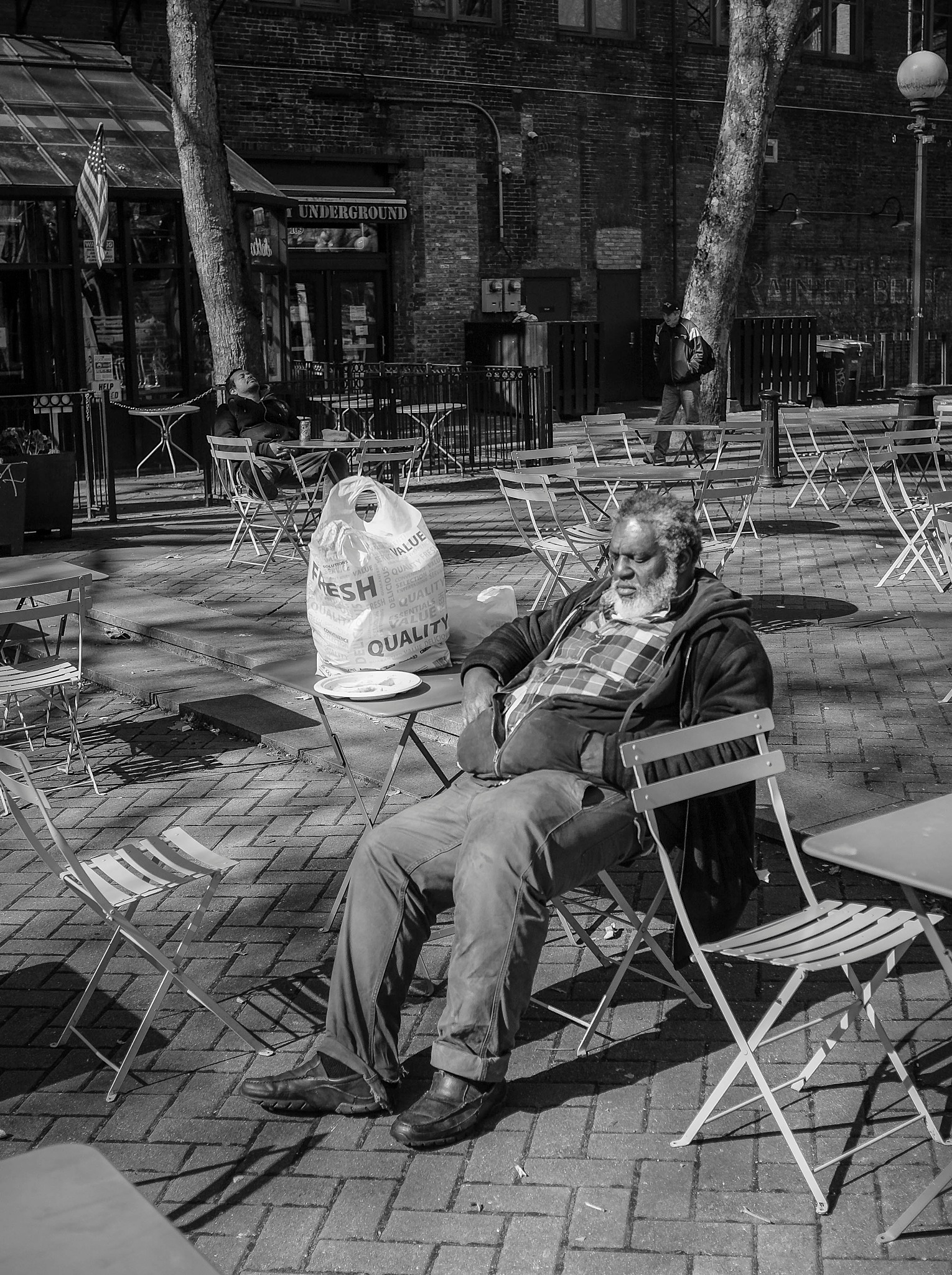 napping in Pioneer Square by nathan.mangold.5