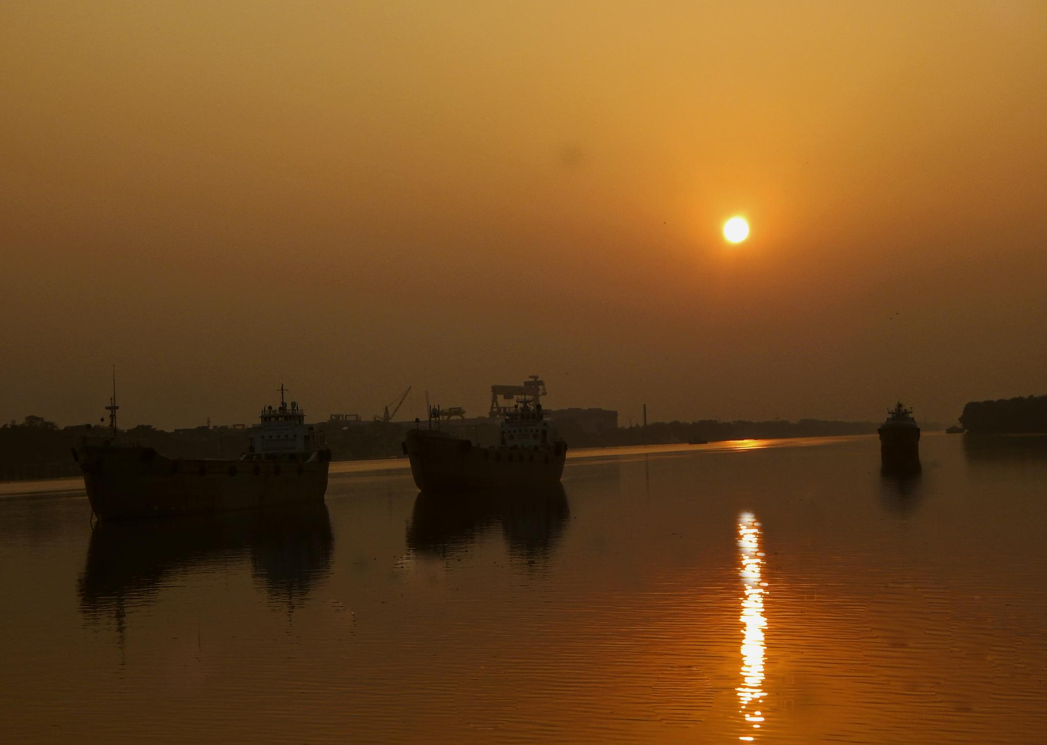Sunset on the Ganges by Tanmoy Das