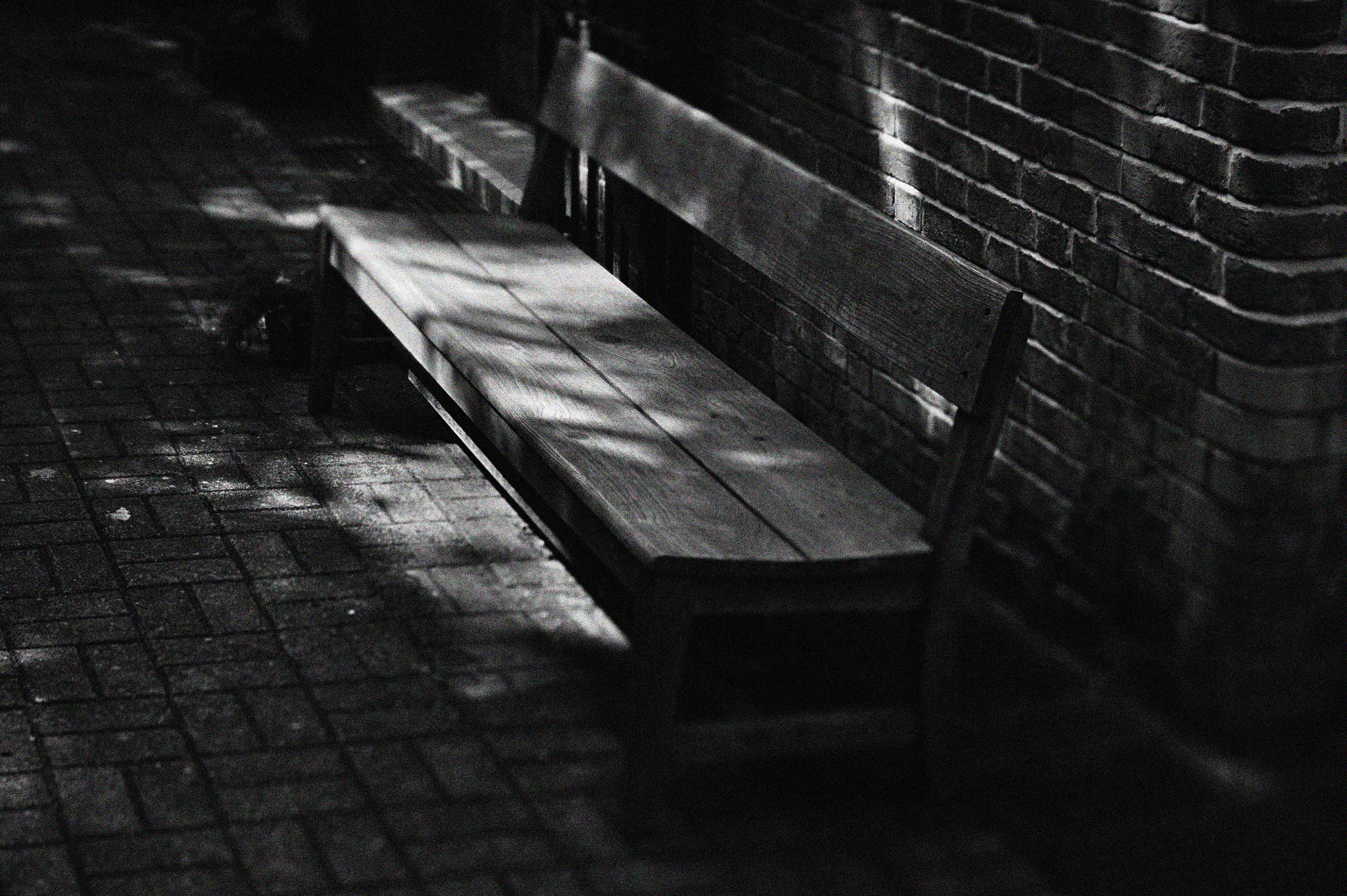 ...wooden bench... by cyccanhk