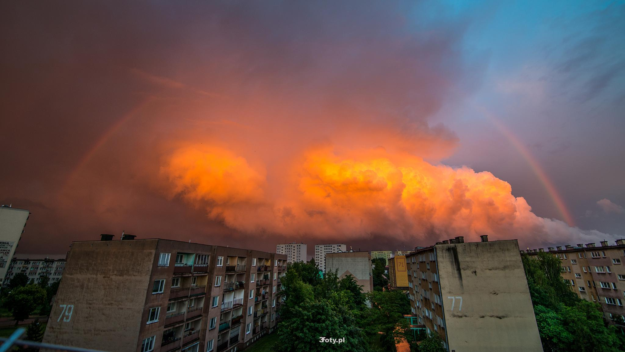 Fire clouds under rainbow by 3fotypl