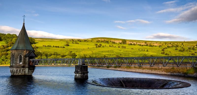 Pontsticill Reservoir  by Char3105