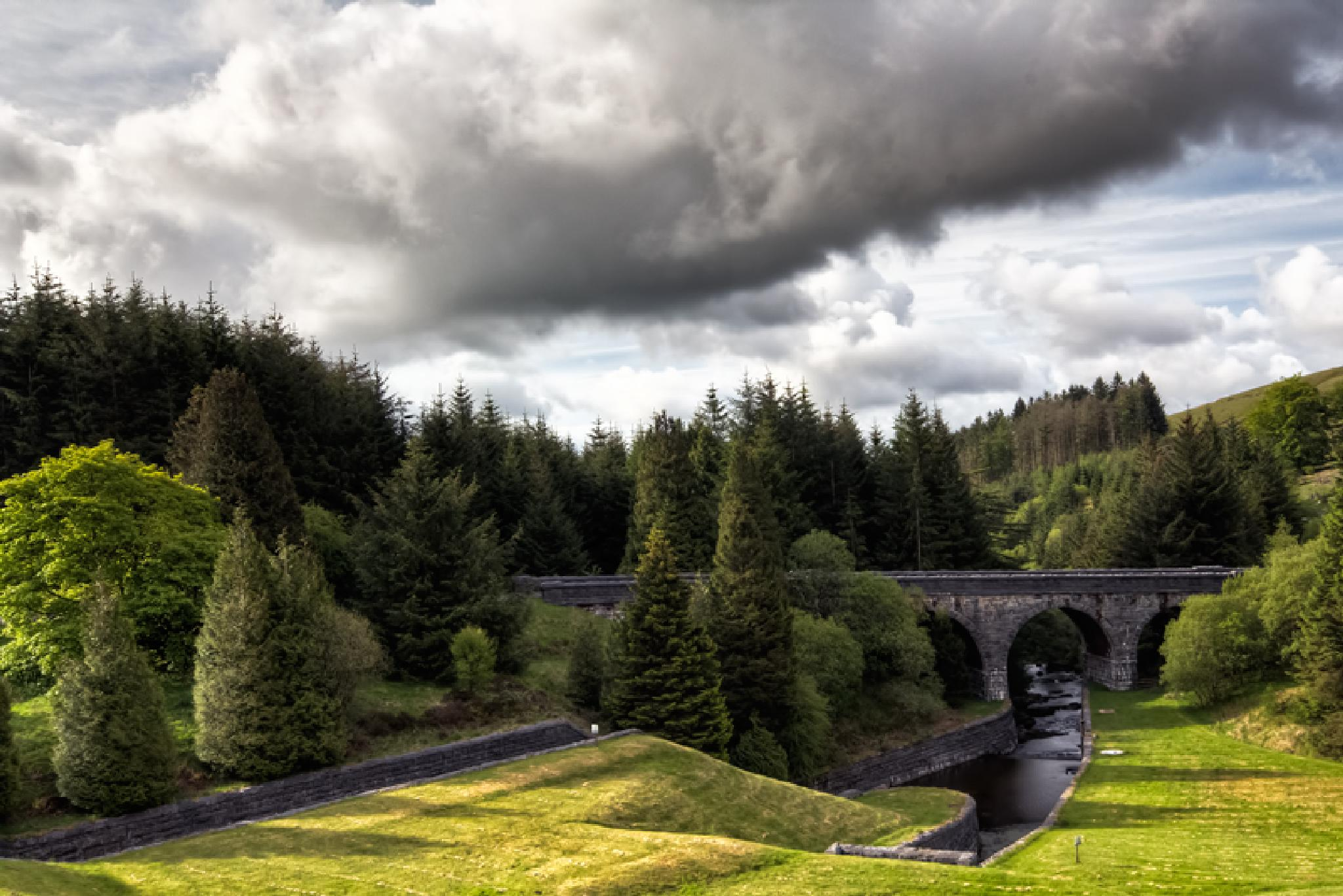 Brecon Reservoir by Char3105