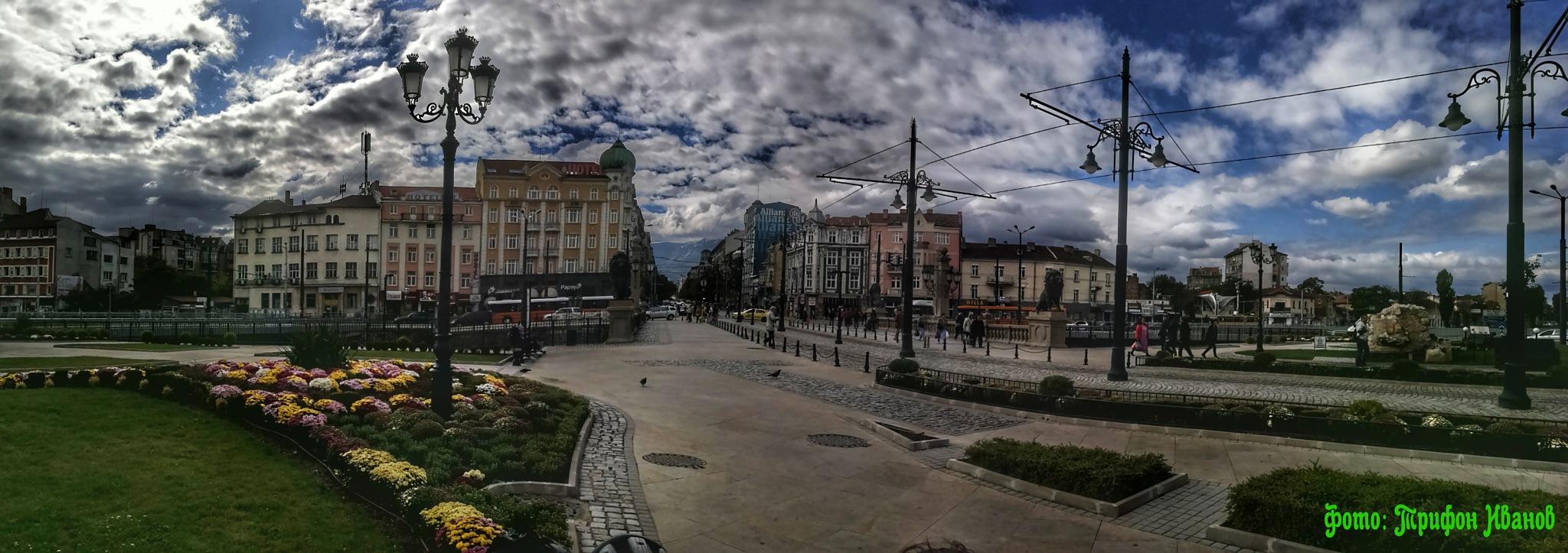 Bulgaria metropolis by Трифон Иванов