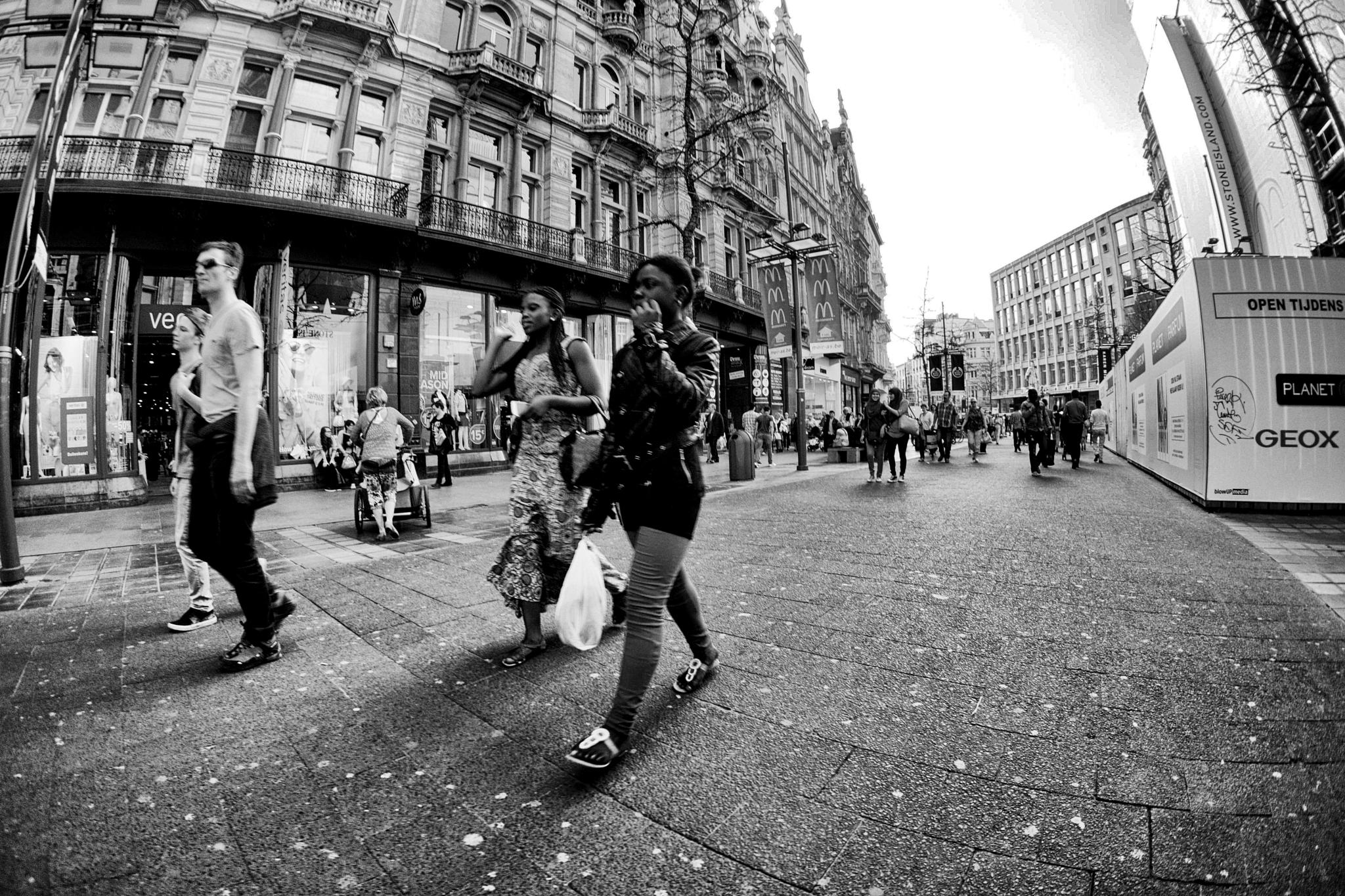 Photo in Street Photography #street #life #city #people #black and white