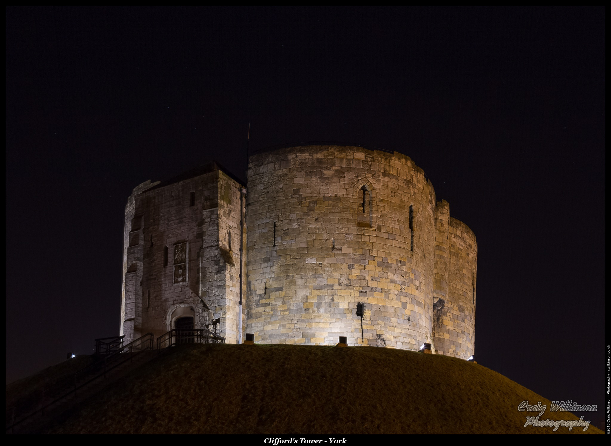 Cliffords Tower - York by Craig Wilkinson