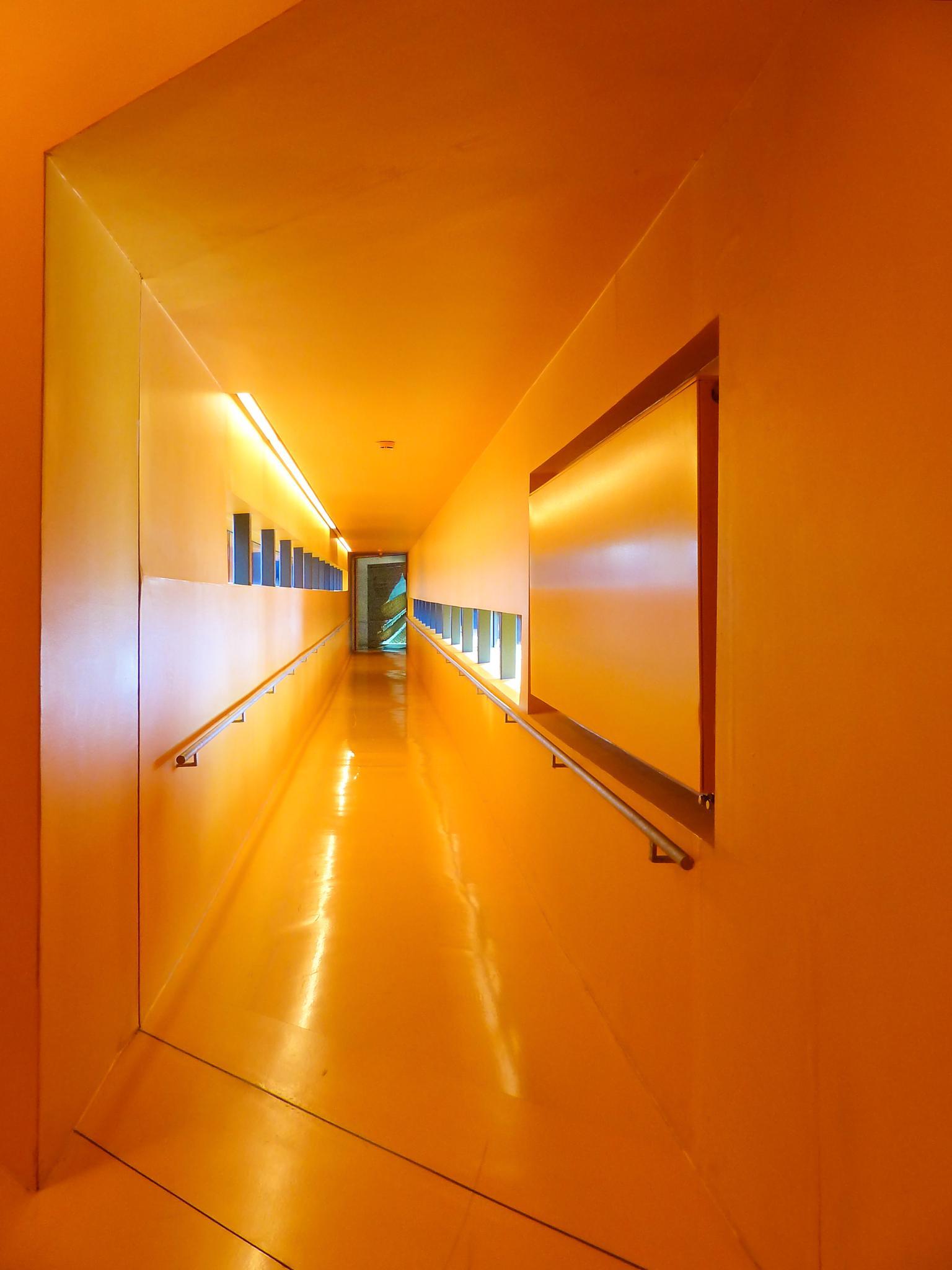 Orangene Stunde by Rolf Hilligloh