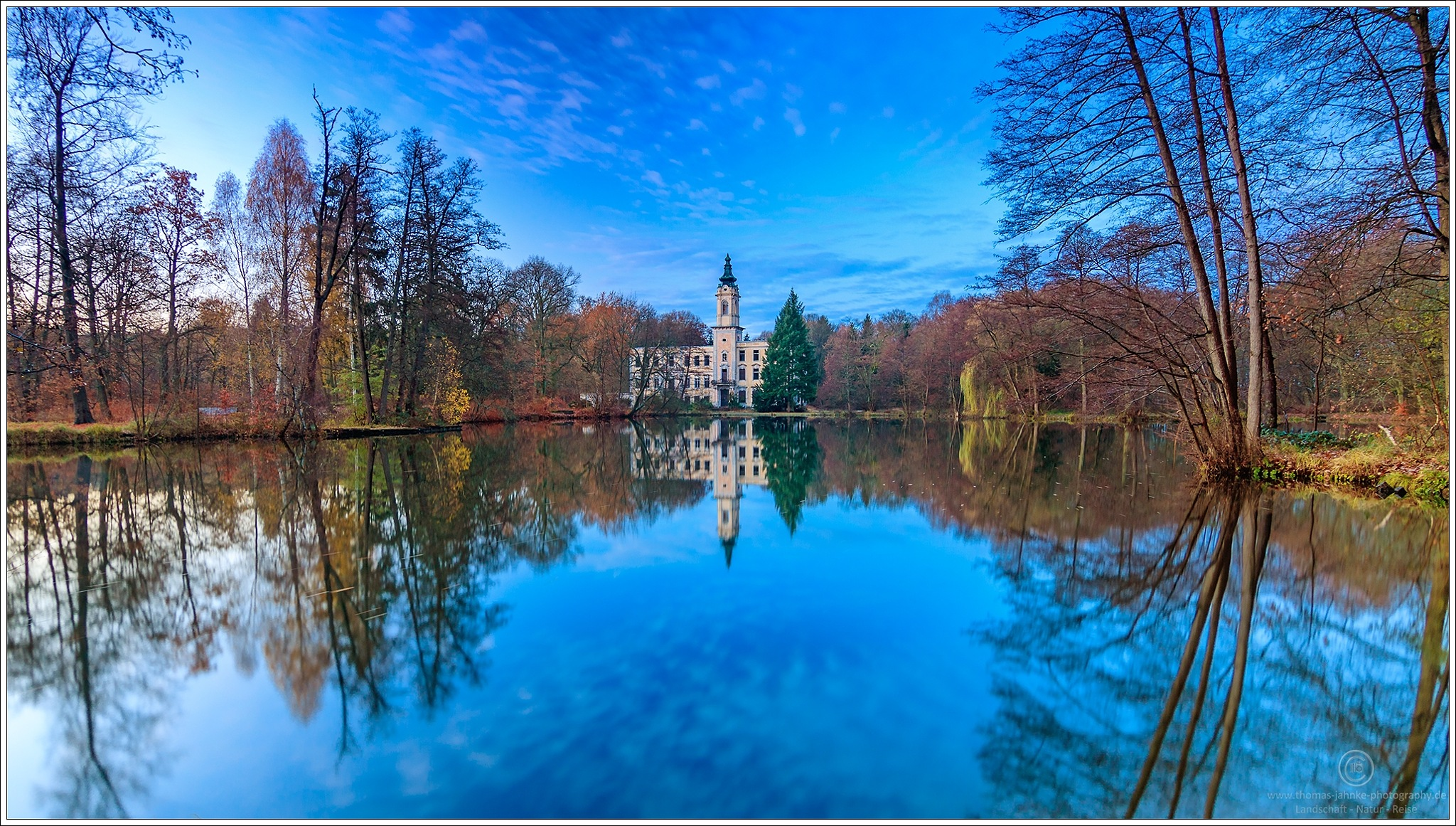 As mirrored castle by Thomas Jahnke
