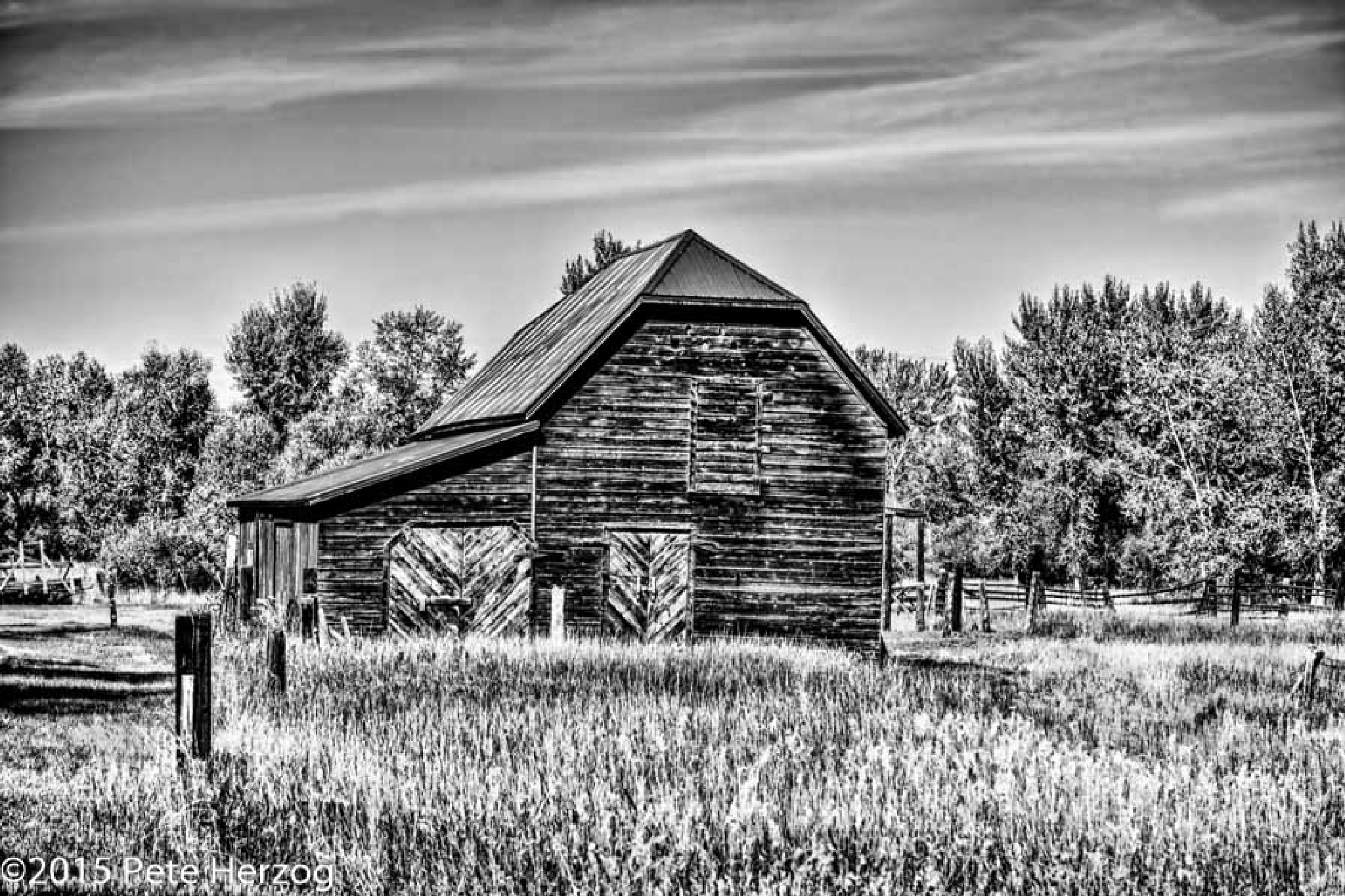 The Barn in Black and White by peter.herzog.3323