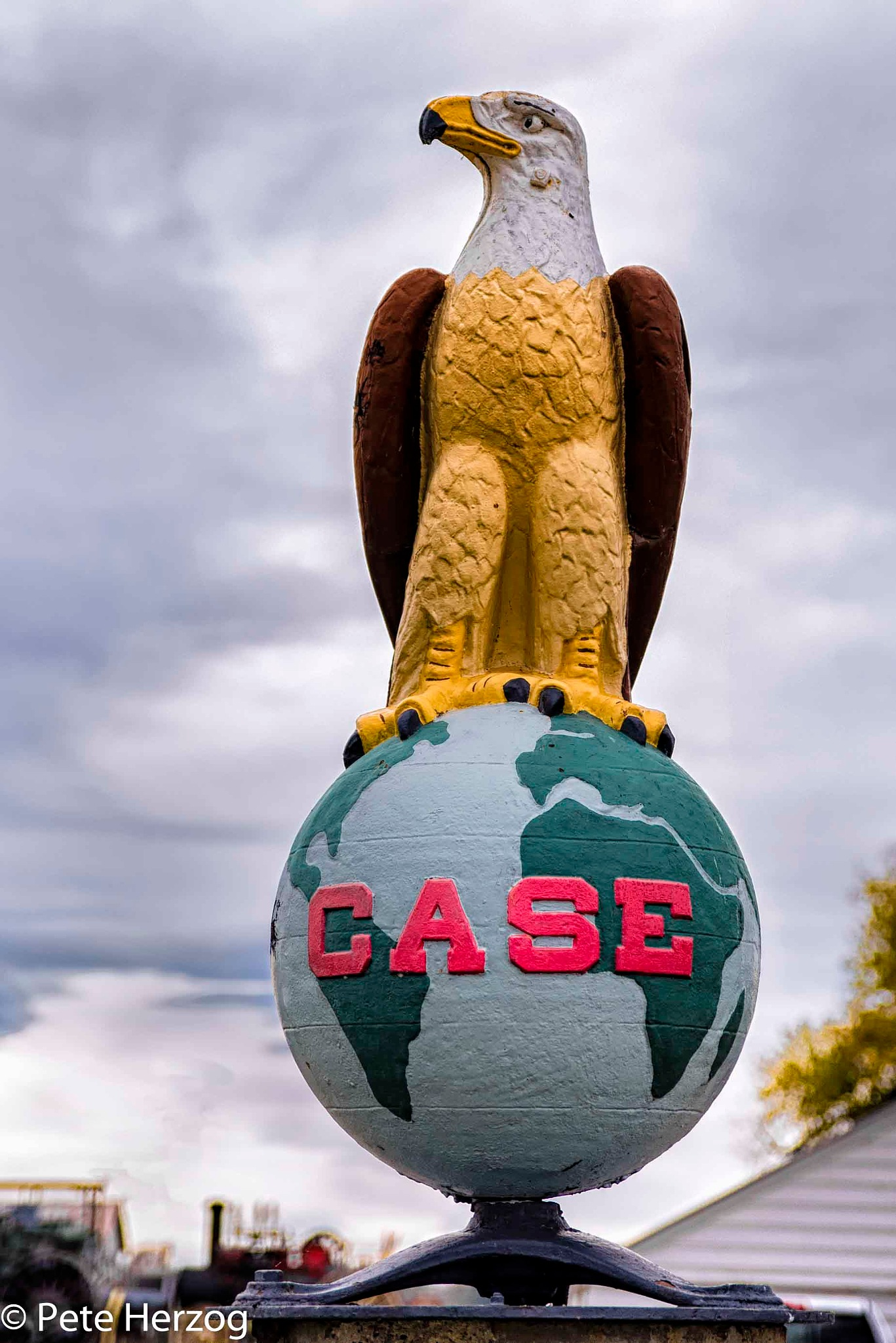 Case Dealer Statue by peter.herzog.3323