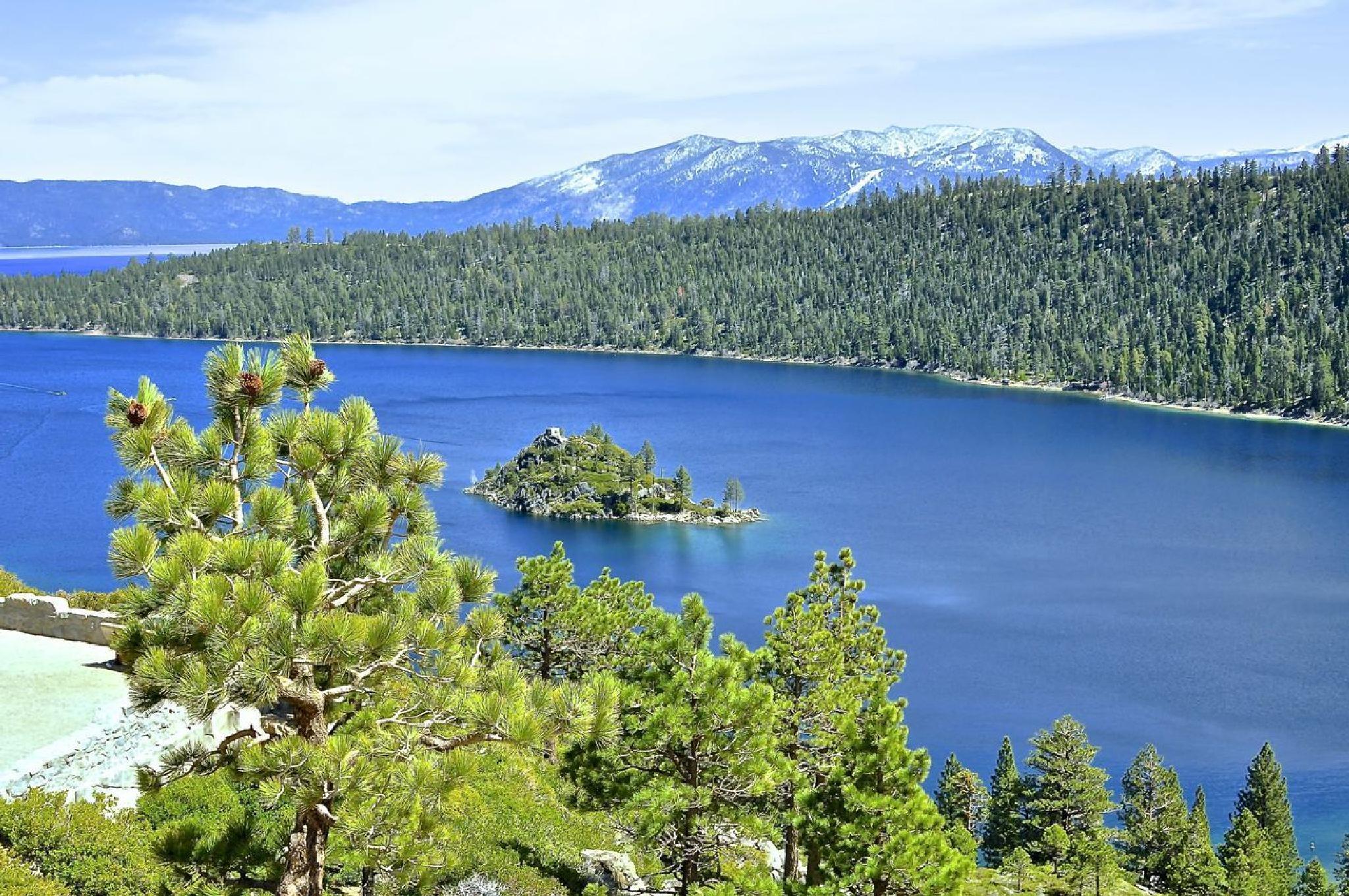 Lake Tahoe, California by Robert Ou