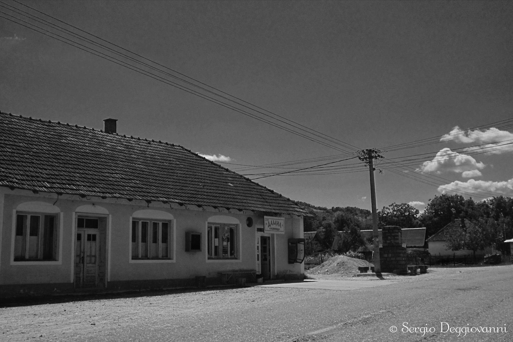 Somewhere along the road by Sergio Deggiovanni
