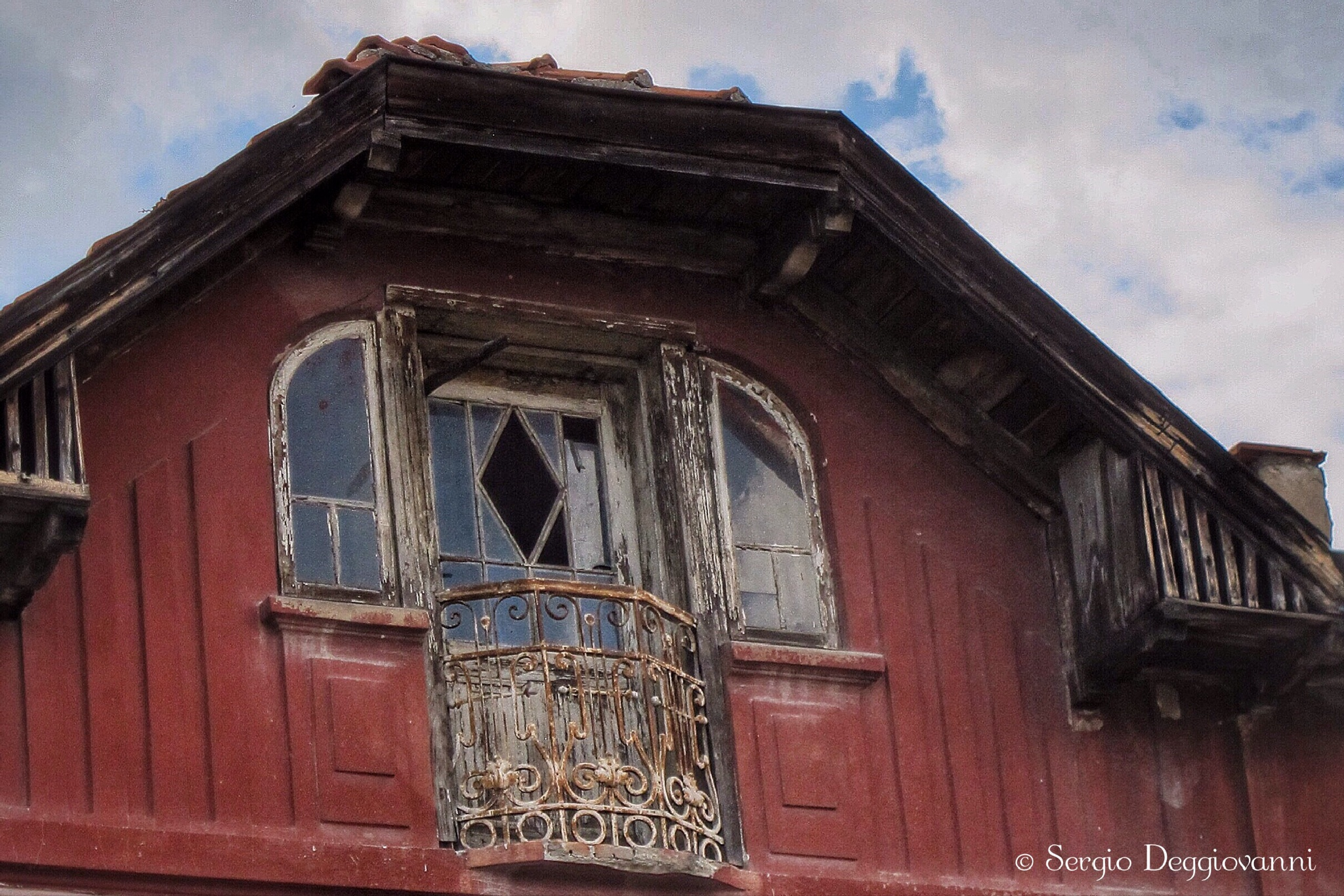 Bulgarian window by Sergio Deggiovanni
