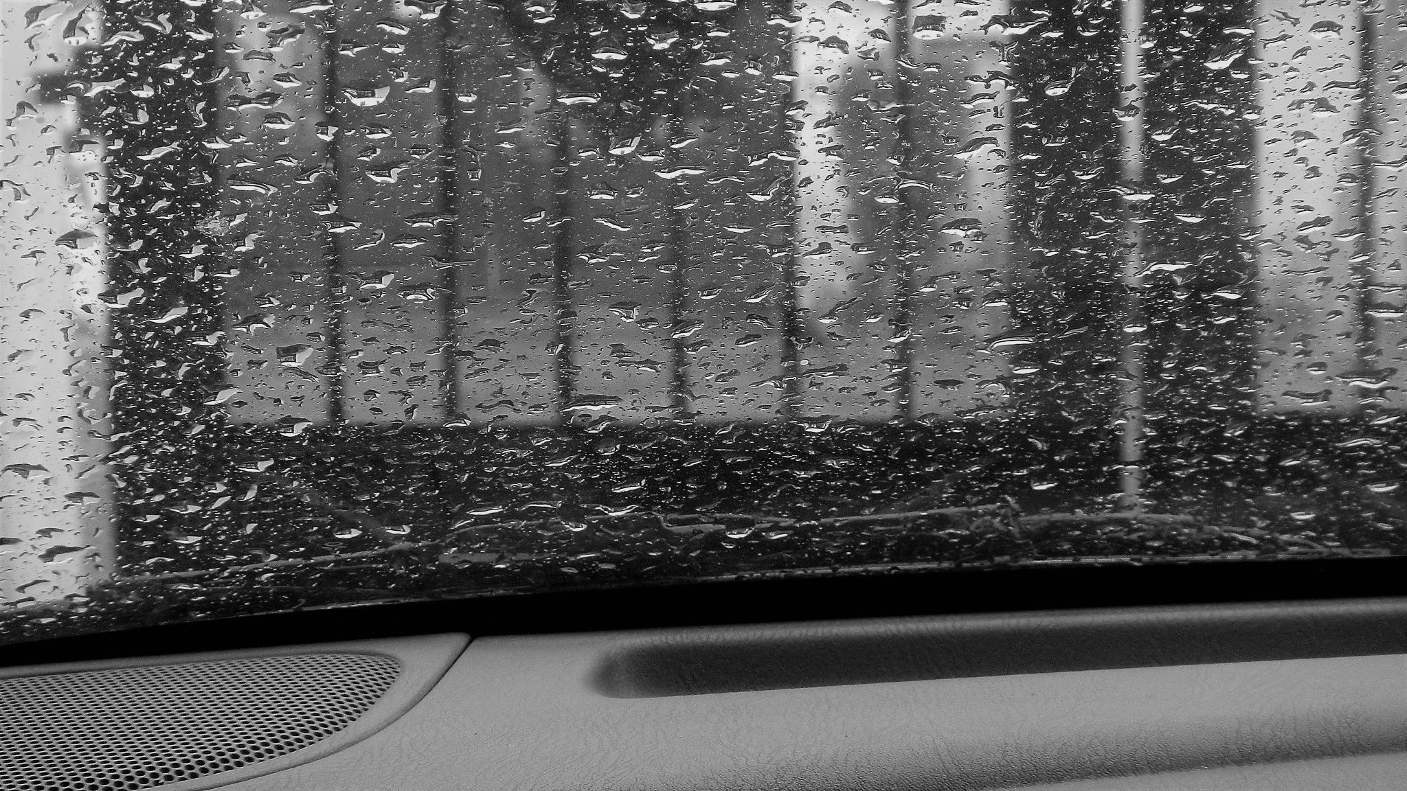 Raining by अनूप यादव (pixelzz)
