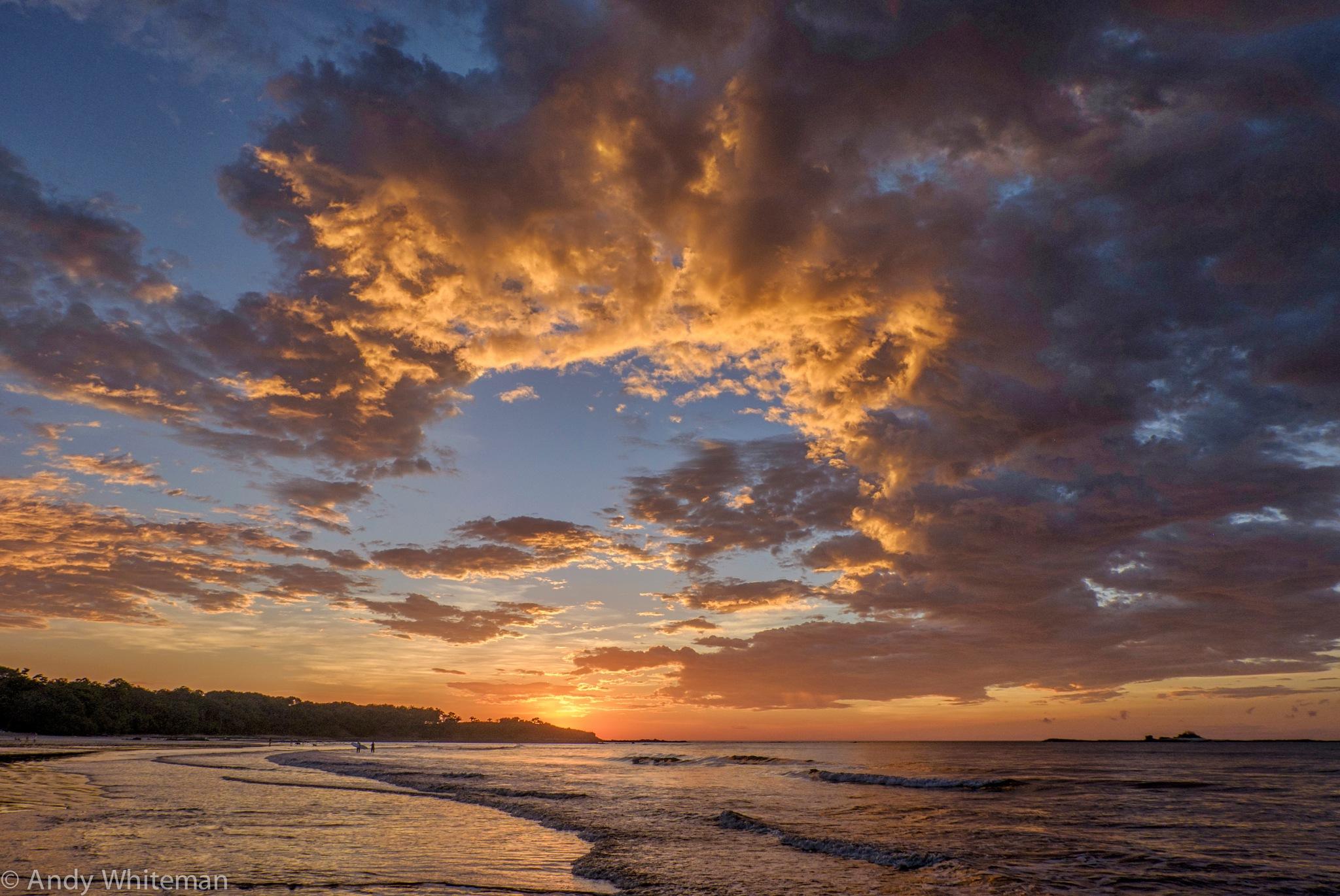 Tamarindo Bay Sunset 24th October 16 by Smilin' Dog