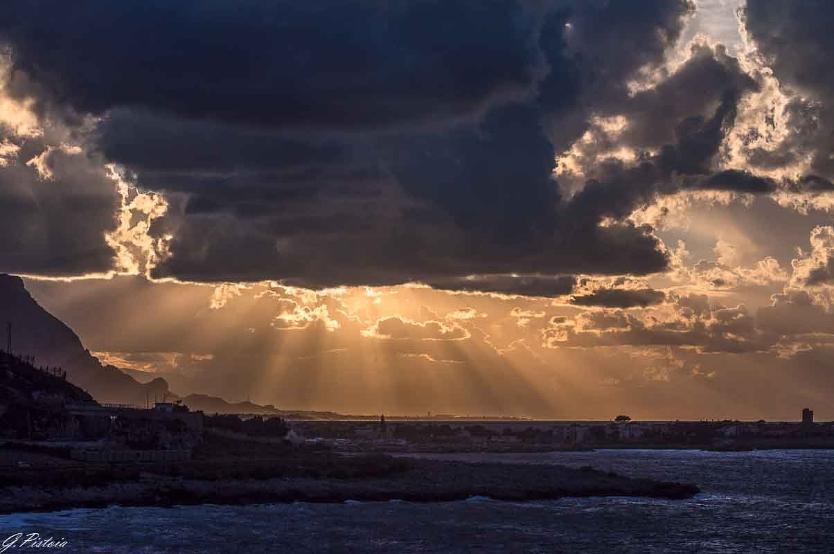 Cloudy sunset by gaetano.pistoia.14
