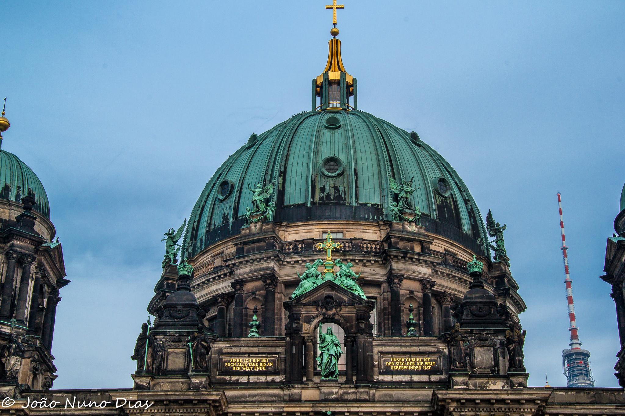 The Dome by Nuno Dias
