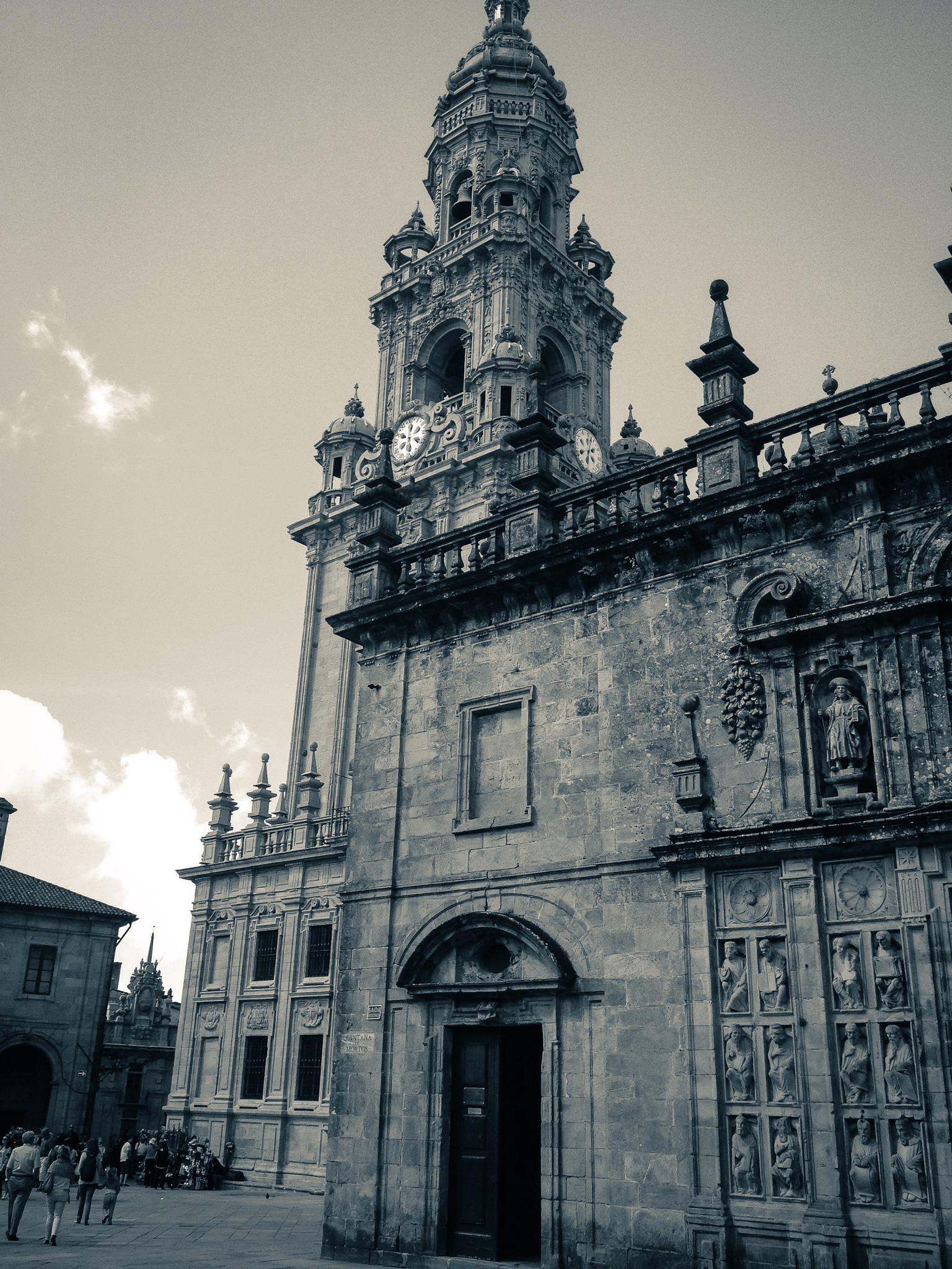 Catedral de Santiago de Compostela desde la Plaza de Quintana de Vivos (Santiago de Compostela - Spa by Angel Alicarte Lopez