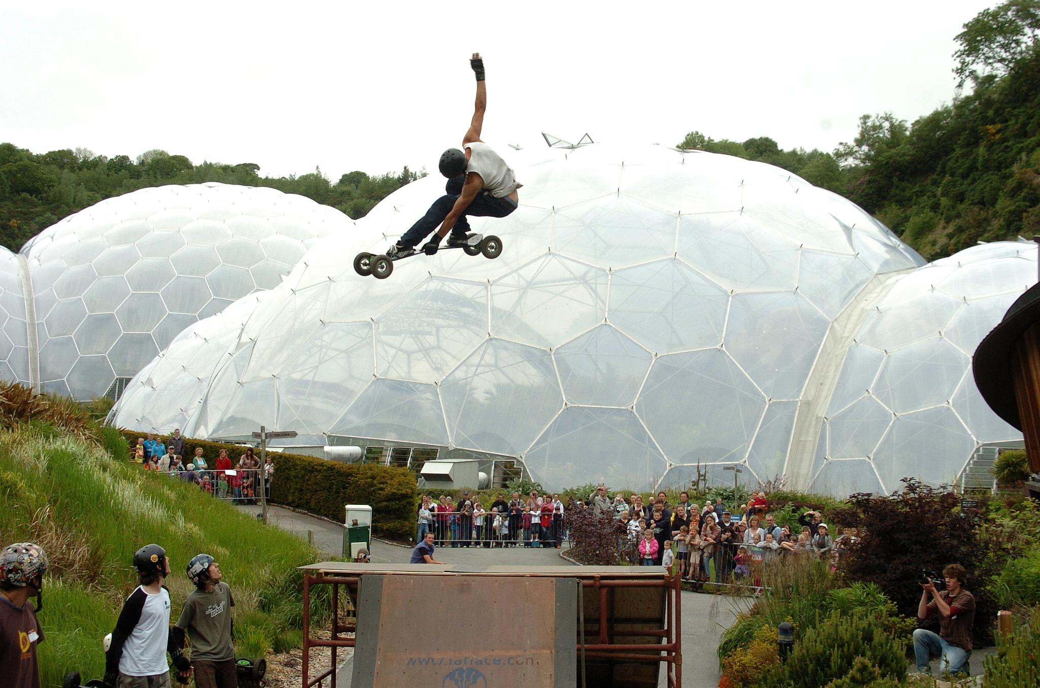 Spinning at the Eden Project by Paul.Taylor
