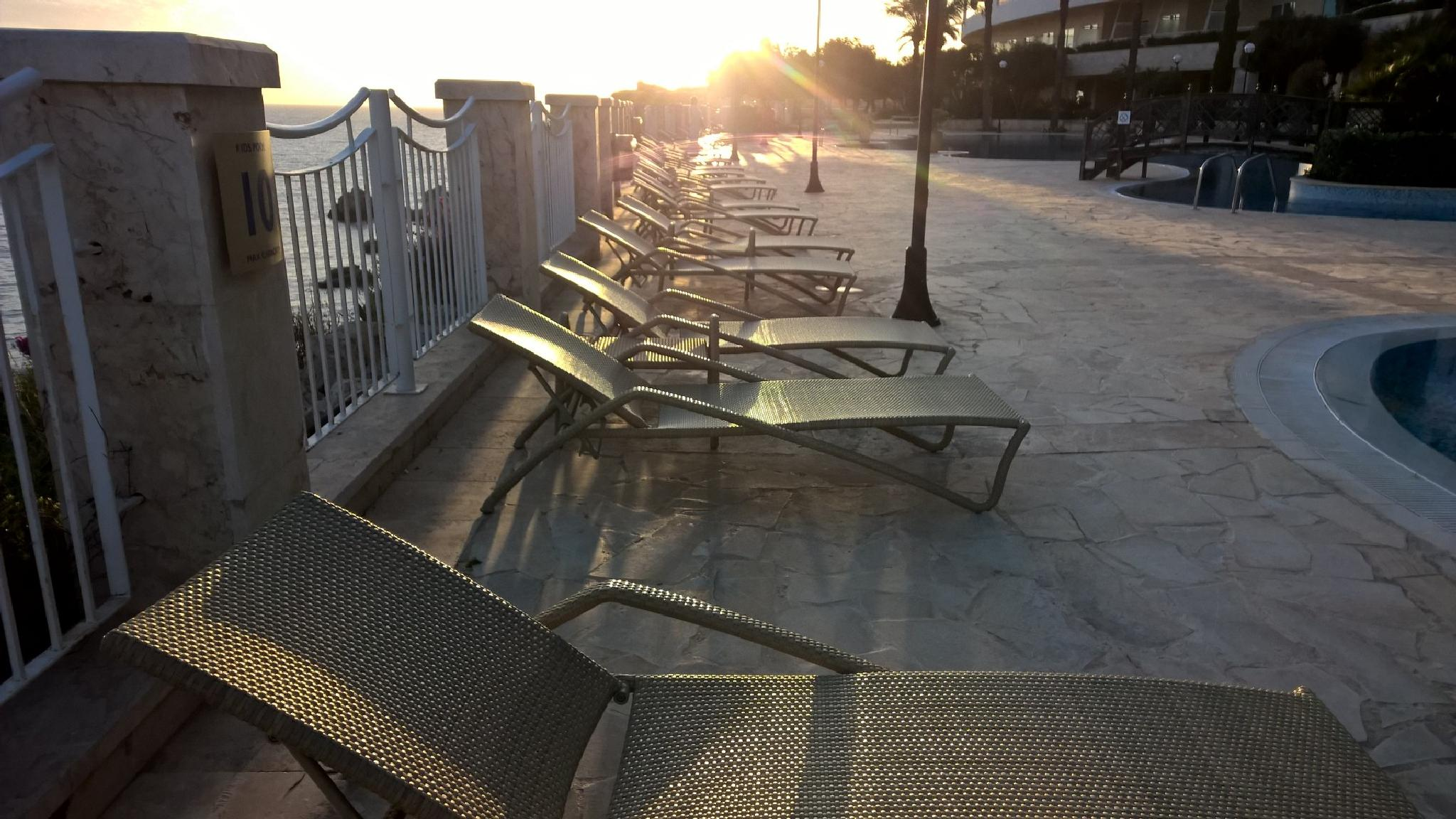 Loungers in the sun by andythrossell