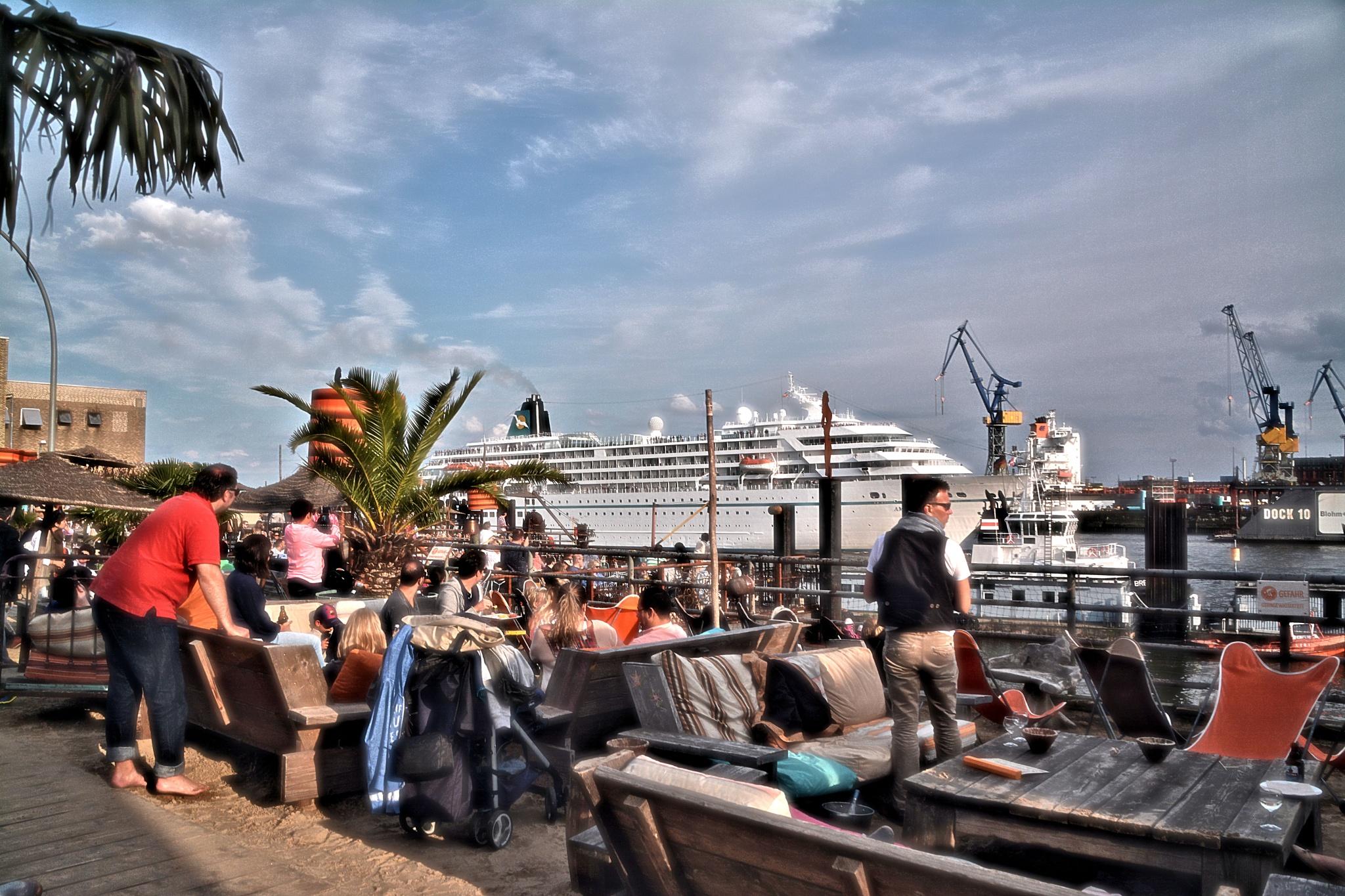 """Hafenbar """"Strandpauli"""" Hamburg by RoPaFue"""