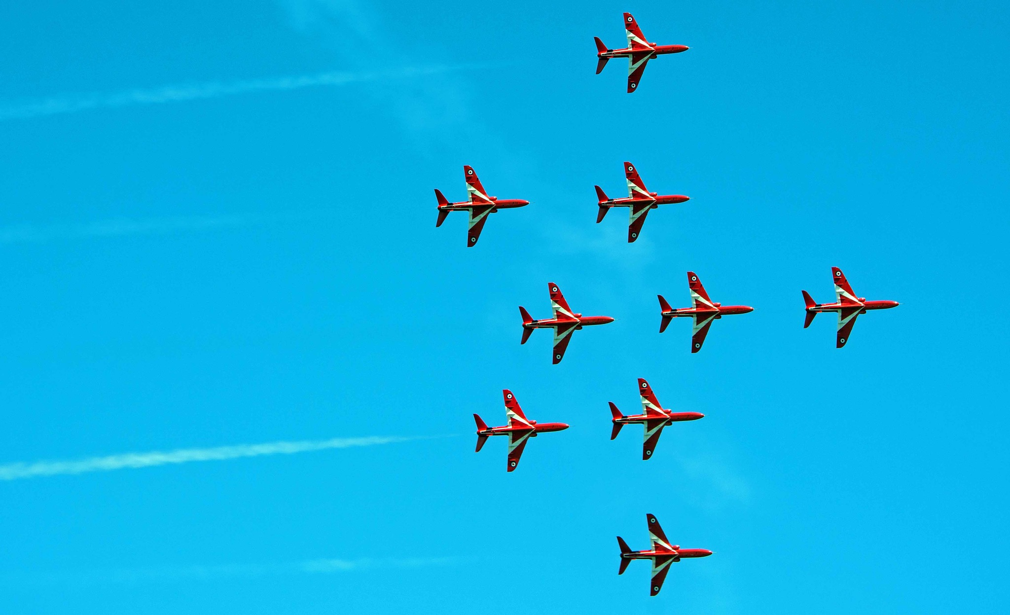 The red Arrows at Armed Forces Day 2018 by ianjck