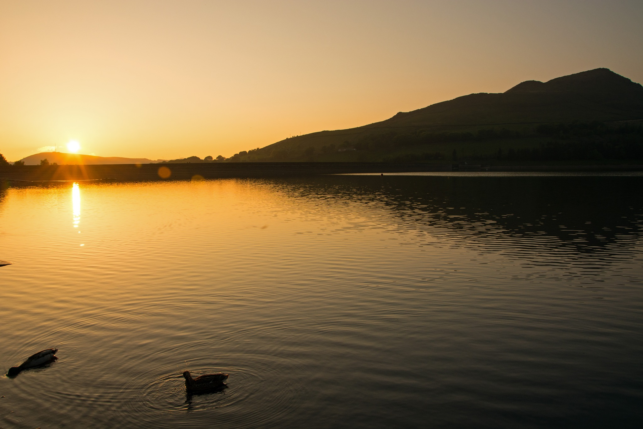Sunset at Dovestones 3 by ianjck