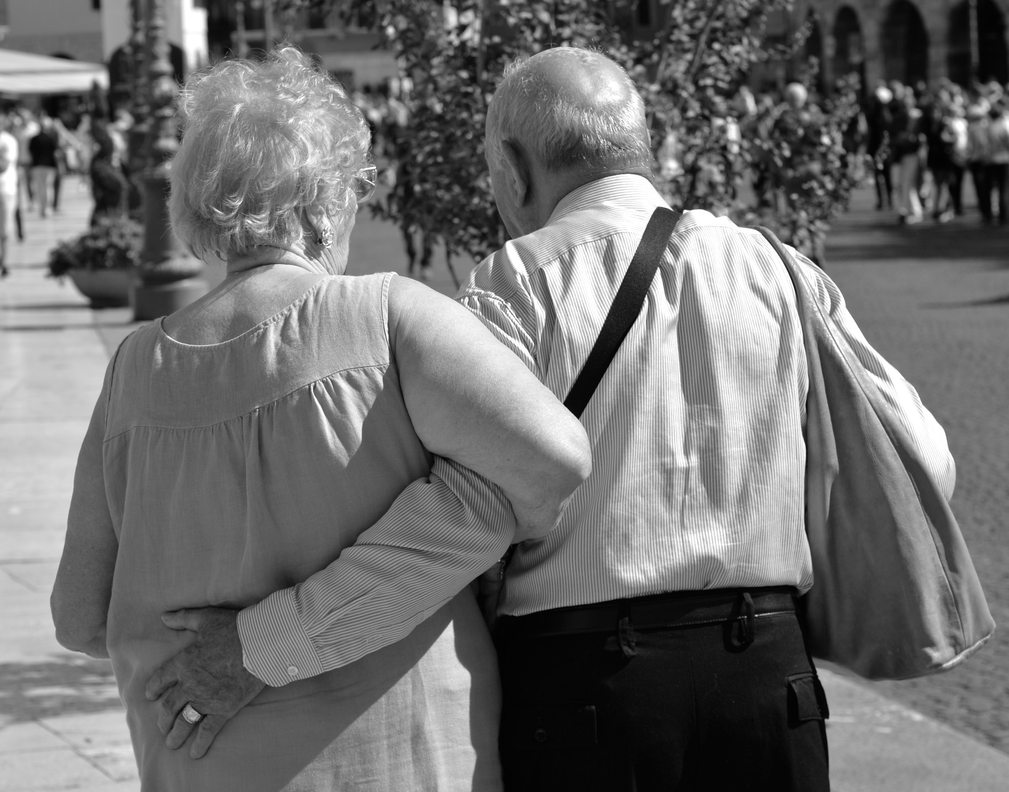 Love  hasn't age  by checasin