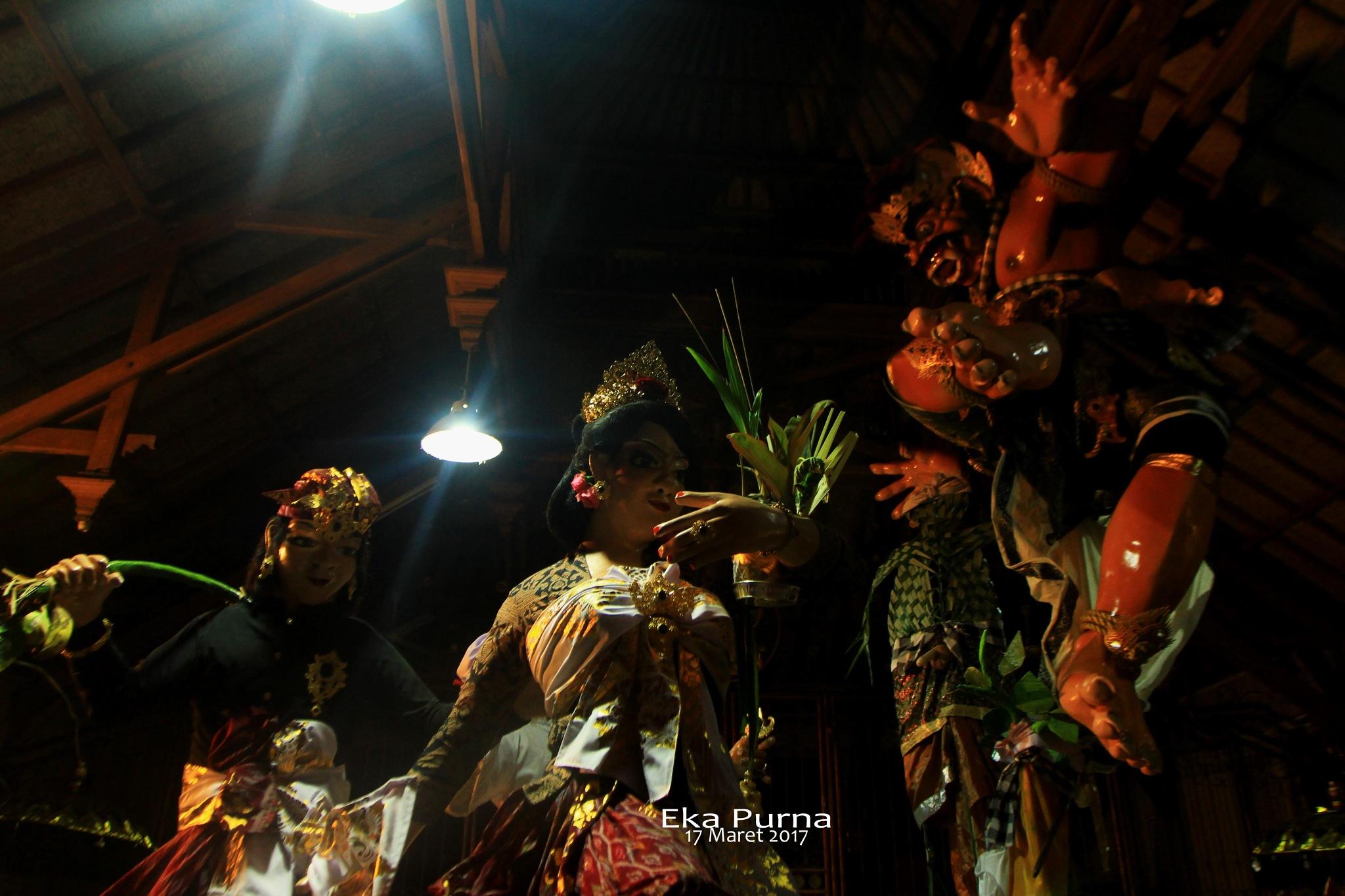 Kala Ngadeg by Eka Purna Sumeika