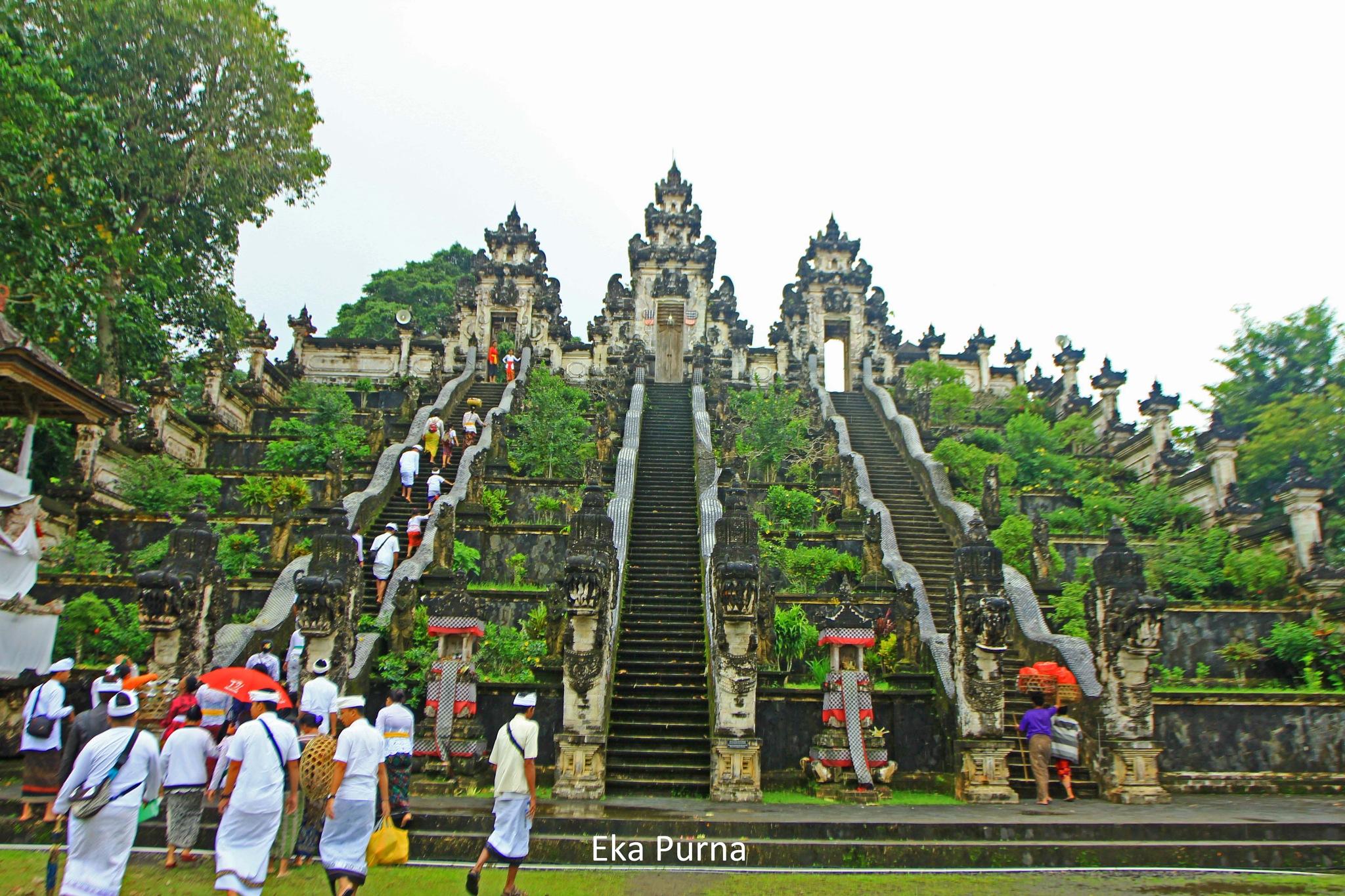 Penataran Agung Lempuyang Luhur Temple by Eka Purna Sumeika