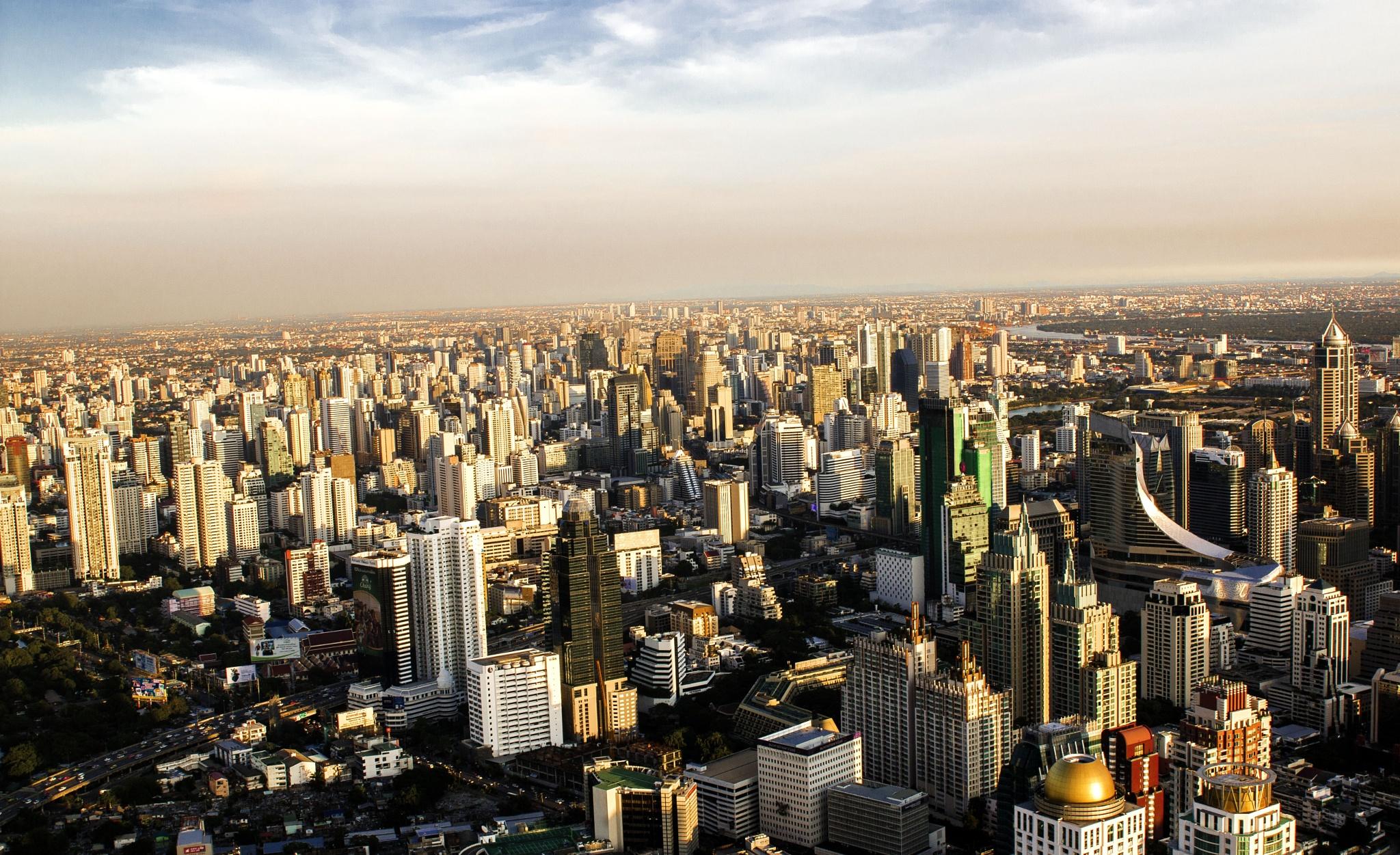bangkok skyline by curtis.tekenah