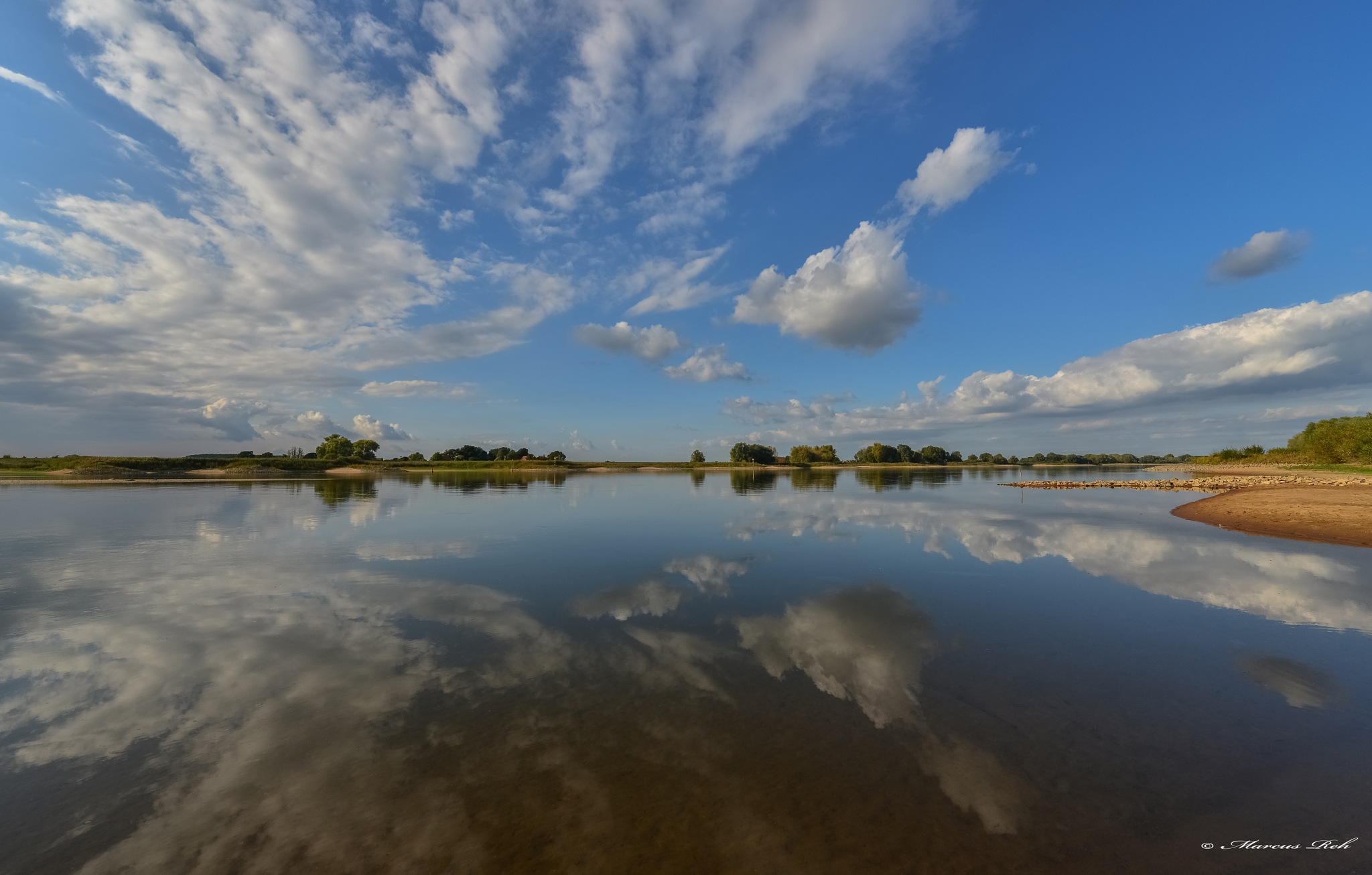 cloud reflection by Marcus Reh