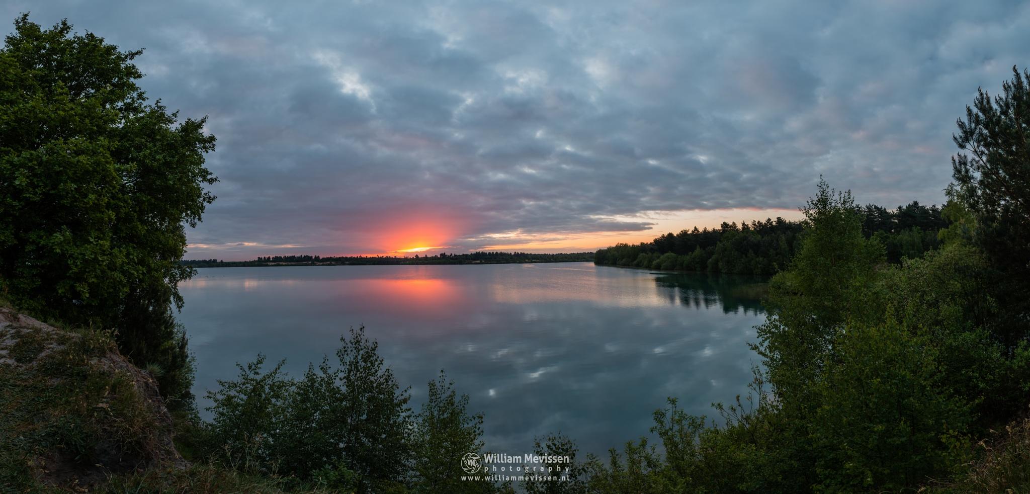 Panorama 'Cloudy Sunrise' by William Mevissen