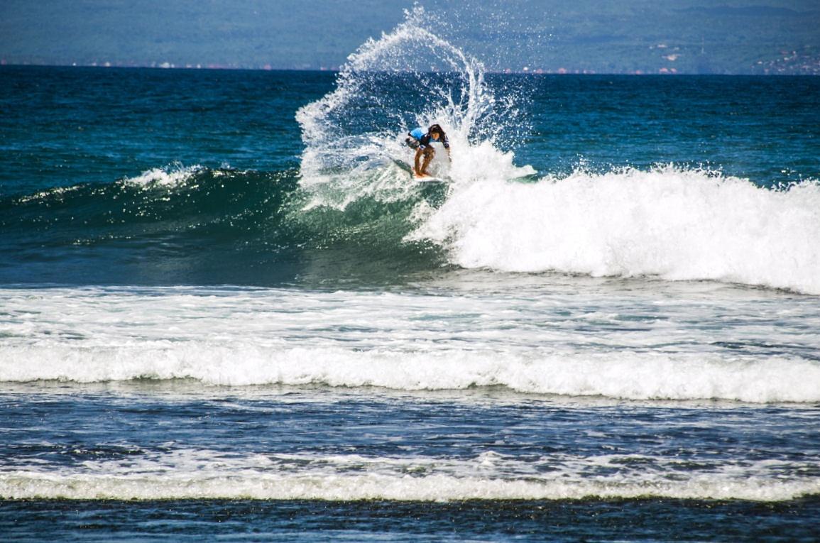 surfing dikeramas1 by arthamade