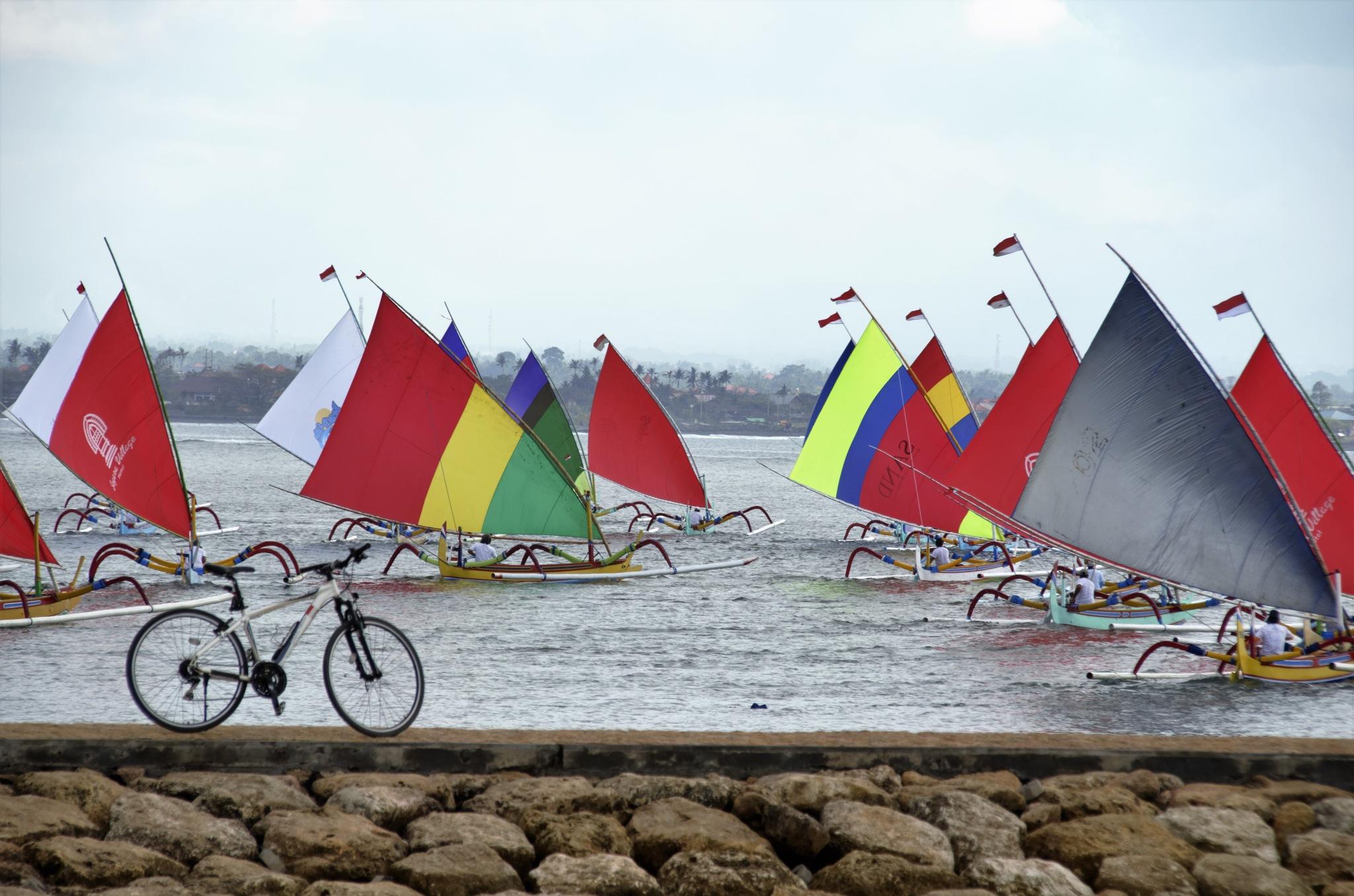 Sepeda dan Jukung by arthamade