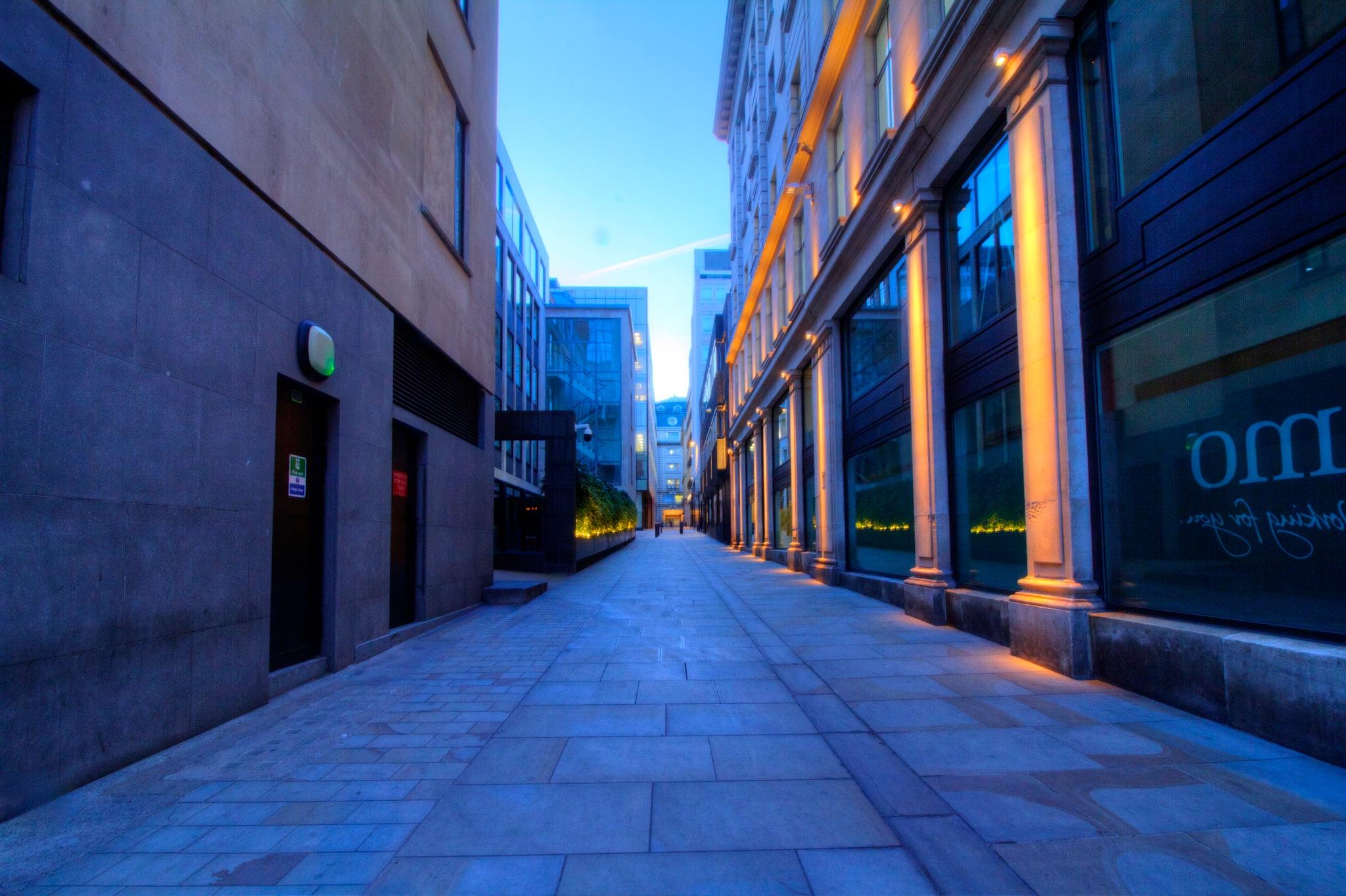 london street by Jason Lavine