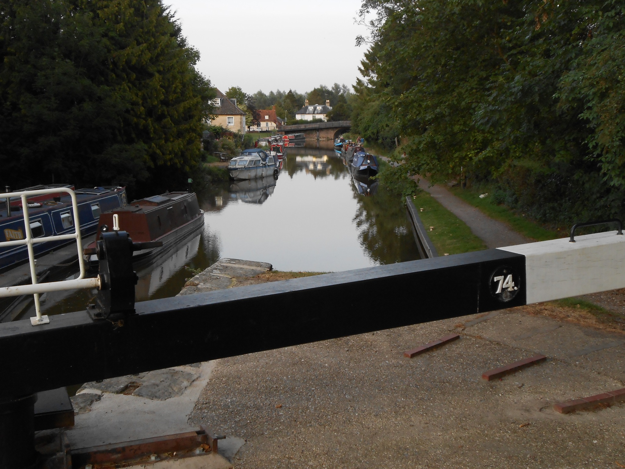 Kennet and Avon Canal, Hungerford by Kevhyde